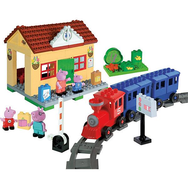 Конструктор Железнодорожная станция, Свинка Пеппа, 95 деталейИдеи подарков<br>Конструктор Железнодорожная станция, Свинка Пеппа приведет в восторг любого ребенка! Построй настоящую железнодорожную станции и отправляйся в путь вместе с Пеппой и ее семьёй. В набор входит паровоз с двумя вагонами, железная дорога со шлагбаумом , уютный домик, в котором располагается вокзал, лужайка перед домом и множество других милых предметов. Детали конструктора имеют размер, идеально подходящий для маленьких детских ручек. Изготовлены из высококачественного пластика, не имеют острых углов, безопасны для ребенка. Благодаря хорошо проработанным креплениям, конструктор легко собирается и разбирается, детали быстро и прочно крепятся друг к другу. Игра с конструктором развивает  творческие способности, мелкую моторику, навыки конструирования, внимание.<br><br>Дополнительная информация:<br><br>- Комплектация: дом, фигурки свинок ( 4 шт.), панель, на которую крепятся детали, железная дорога, вокзал, лужайка, светофор, почтовые ящики, чемодан.<br>- Количество деталей: 95 шт.<br>- Материал: пластик<br>- Размеры коробки: 39 х 29 х 9.5 см.<br>- Детали совместимы с Lego Duplo<br><br><br>Конструктор Железнодорожная станция, Свинка Пеппа (Peppa Pig) можно купить в нашем магазине.<br><br>Ширина мм: 582<br>Глубина мм: 472<br>Высота мм: 127<br>Вес г: 2360<br>Возраст от месяцев: 18<br>Возраст до месяцев: 36<br>Пол: Унисекс<br>Возраст: Детский<br>SKU: 3787591