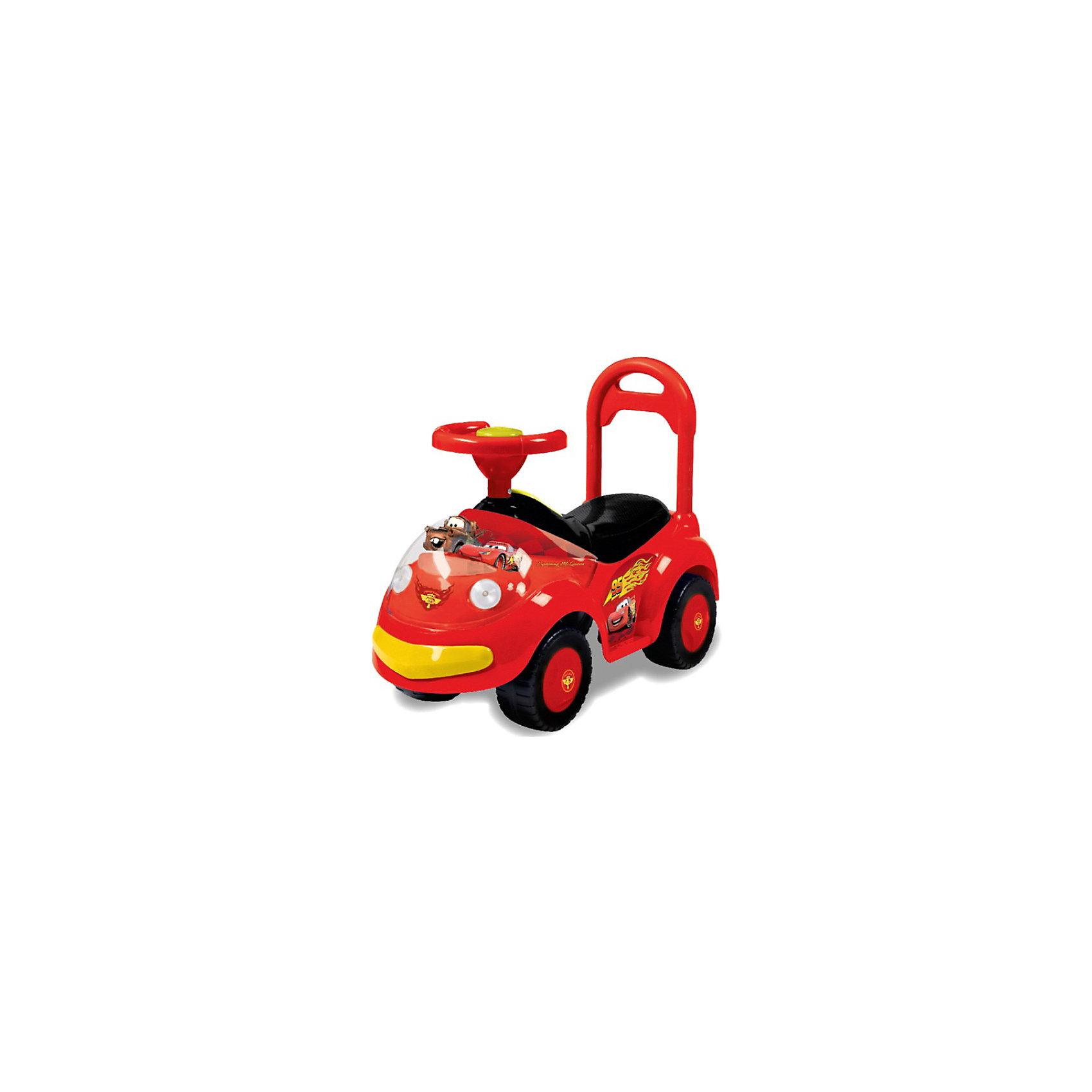 Машина-каталка Bugati, со светом и звуком, ТачкиМашинки-каталки<br>Машина-каталка Bugati, со светом и звуком, Тачки – это первый транспорт вашего малыша, на котором он может кататься самостоятельно.<br>Машинка каталка Тачки Disney отвечает всем требованиям безопасности: устойчивые колеса с рельефной поверхностью, высокая спинка, широкий руль, за который ребенку будет удобно держаться во время поездки. Машина имеет небольшое багажное отделения для игрушек. Есть световые и звуковые эффекты. На руле - кнопка-пищалка. Капот украшен игрушечными фигурками главных героев мультика Тачки. Ребенок может самостоятельно кататься на машинке, отталкиваясь ногами от пола. Если его катают родители, держась за высокую спинку сиденья, малыш сможет комфортно разместить ноги на подножках каталки. Ваш юный водитель будет чувствовать себя максимально комфортно.<br><br>Дополнительная информация:<br><br>- Допустимый вес ребенка: до 25 кг.<br>- Длина: 60 см.<br>- Высота сиденья: 23 см.<br>- Ширина сиденья: 20 см.<br>- Материал: пластик<br>- Эффекты: свет, звук<br>- Требуются батарейки типа АА<br>- Вес: 1,28 кг.<br><br>Машину-каталку Bugati, со светом и звуком, Тачки можно купить в нашем интернет-магазине.<br><br>Ширина мм: 280<br>Глубина мм: 660<br>Высота мм: 500<br>Вес г: 1460<br>Возраст от месяцев: 12<br>Возраст до месяцев: 48<br>Пол: Мужской<br>Возраст: Детский<br>SKU: 3789454