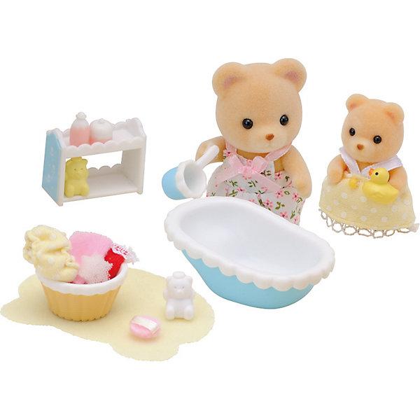 Набор  Мама купает малыша, Sylvanian FamiliesSylvanian Families<br>Набор  Мама купает малыша, Sylvanian Families (Сильваниан Фэмилис) обязательно понравится вашему ребенку. Заботливая мама- медведица купает своего малыша. В наборе есть все что нужно, чтобы искупать маленького непоседу. Все игрушки и их детали сделаны из высококачественного материала и очень хорошо проработаны. Набор развивает мелкую моторику и воображение ребенка. <br><br>Дополнительная информация:<br><br>- Материал: пластик, текстиль<br>- Комплектация: мама- медведица, медвежонок, ванночка, тазик, полочка, ковш, игрушки для купания, полотенце<br>- Головка и лапки игрушек двигаются.<br>- Размер упаковки : 20х5.5х16.8см<br><br>Набор  Мама купает малыша, Sylvanian Families (Сильваниан Фэмилис) можно купить в нашем магазине.<br>Ширина мм: 202; Глубина мм: 172; Высота мм: 60; Вес г: 112; Возраст от месяцев: 36; Возраст до месяцев: 144; Пол: Женский; Возраст: Детский; SKU: 3830631;