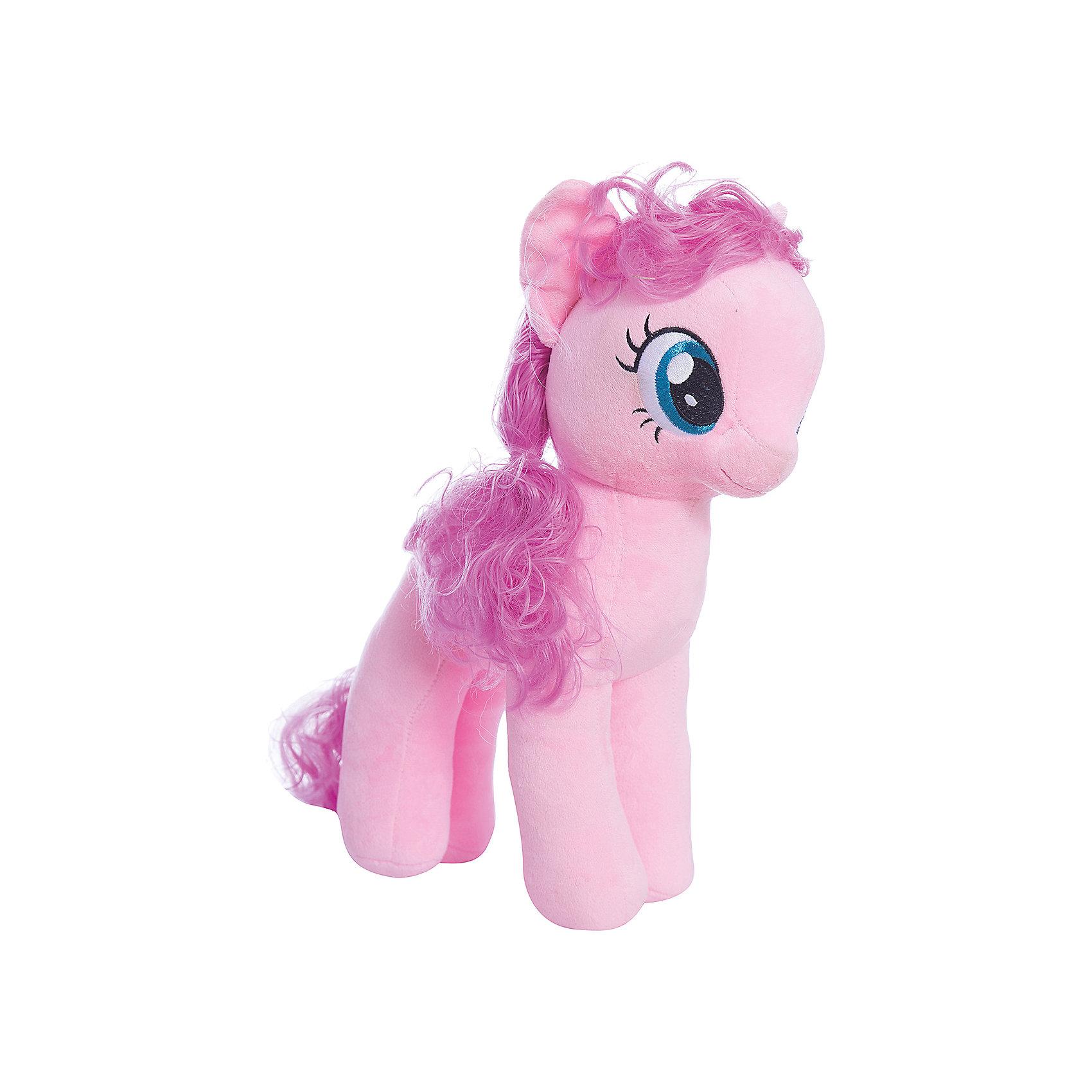 Пони Пинки Пай, 51 см,  My little PonyИгрушки<br>Мягкая игрушка Пони Пинки Пай, My little Pony порадует всех юных поклонниц волшебных лошадок из популярного мультсериала Моя маленькая Пони: Дружба -это чудо ( My Little Pony: Friendship IsMagic). Пони Пинки Пай (Pinkie Pie) - самая веселая и озорная во всем Понивилле, она живет и работает в кондитерской «Сахарный дворец» и устраивает лучшие в городке вечеринки. <br><br>Внешний вид игрушки полностью соответствует своей героине из мультфильма. У лошадки мягкая, приятная на ощупь светло-розовая шерстка, розовые грива и хвост. Глазки и знак отличия - воздушные шарики искусно вышиты. Игрушка выполнена из качественных, безопасных для детей материалов.<br><br>Дополнительная информация:<br><br>- Материал: искусственный мех, синтепон.<br>- Размер игрушки: 51 см.<br>- Размер упаковки: 40 x 25 x 51 см.<br>- Вес: 0,3 кг.<br><br>Мягкую игрушку Пони Пинки Пай, My little Pony (Май литл Пони) можно купить в нашем интернет-магазине.<br><br>Ширина мм: 400<br>Глубина мм: 250<br>Высота мм: 510<br>Вес г: 300<br>Возраст от месяцев: 24<br>Возраст до месяцев: 120<br>Пол: Женский<br>Возраст: Детский<br>SKU: 3833924