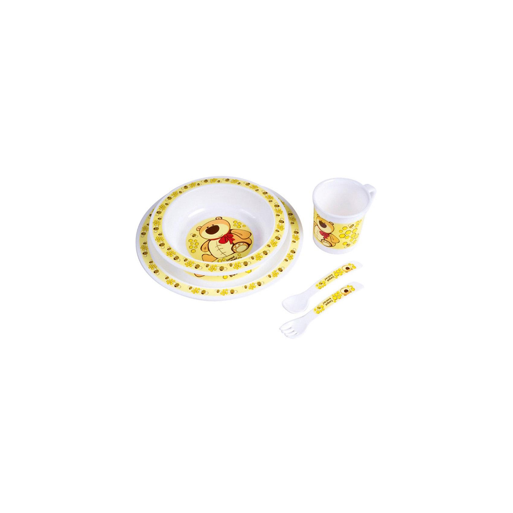 Набор посуды, Canpol, жёлтыйНабор посуды, Canpol Babies замечательно подходит для малышей, которые начинают есть самостоятельно. Посуду можно использовать как дома, так и для пикников и обедов на открытом воздухе. В состав набора входят миска, тарелка, чашка, ложка и вилка. Все предметы имеют безопасные закругленные края и украшены забавными изображениями зверушек.<br>Эта практичная посуда подходит для СВЧ-печи, ее можно мыть в посудомоечной машине.<br>Дополнительная информация:<br>- в комплекте: миска, тарелка, чашка, ложка и вилка;<br>- материал: пластик;<br>- объем миски: 270 мл.;<br>- объем чашки: 170 мл.;<br>- размер упаковки: 22 х 22 х 7,5 см.;<br>- вес: 0,3 кг.<br>Набор посуды Canpol Babies можно купить в нашем интернет-магазине.<br><br>Ширина мм: 220<br>Глубина мм: 220<br>Высота мм: 75<br>Вес г: 234<br>Возраст от месяцев: 9<br>Возраст до месяцев: 36<br>Пол: Унисекс<br>Возраст: Детский<br>SKU: 3837147