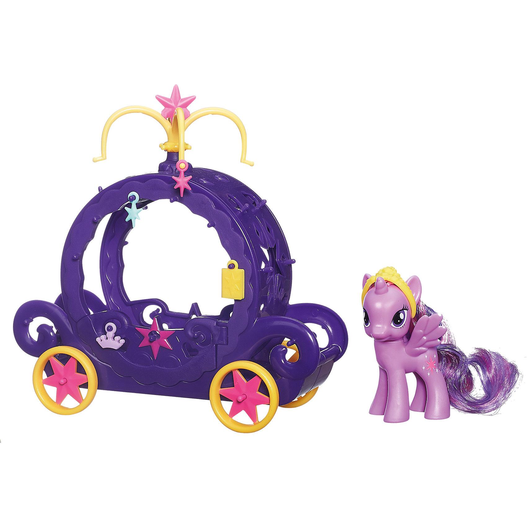Игровой набор Карета для Твайлайт Спаркл, My little PonyИгровой набор Карета для Твайлайт Спаркл, My little Pony (Моя маленькая Пони) станет замечательным подарком для всех юных поклонниц волшебных лошадок из популярного мультсериала Дружба - это чудо( My Little Pony: Friendship Is Magic). В комплект входит роскошная фиолетовая карета и фигурка пони Твайлайт Спаркл (Сумеречная Искорка). Твайлайт Спаркл - самая умная лошадка из волшебной страны пони Эквестрии, она обожает науку, магию и читает много книг. Карета выполнена в стильном оригинальном дизайне с ажурными узорами, дверцы открываются. В наборе также Вы найдете тиару для пони и аксессуары для украшения кареты.<br><br>Дополнительная информация:<br><br>- В комплекте: карета, фигурка пони Твайлайт Спаркл, тиара, 4 аксессуара для украшения кареты.<br>- Материал: пластик.<br>- Размер упаковки: 25 x 9 x 25 см.<br>- Вес: 0,4 кг.<br><br>Игровой набор Карета для Твайлайт Спаркл, My little Pony (Май Литл Пони) можно купить в нашем интернет-магазине.<br><br>Ширина мм: 256<br>Глубина мм: 251<br>Высота мм: 86<br>Вес г: 359<br>Возраст от месяцев: 48<br>Возраст до месяцев: 72<br>Пол: Женский<br>Возраст: Детский<br>SKU: 3838316