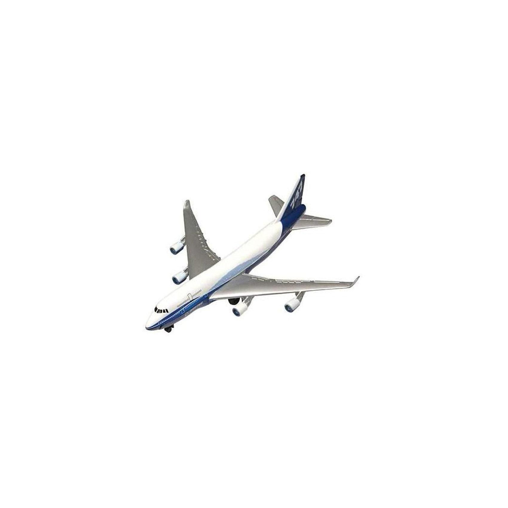 """Cамолет Boeing 747,  MotormaxCамолет Boeing 747,  Motormax (Мотормакс) – это отличное пополнение коллекции авиационной техники.<br>Коллекционная игрушка самолет Boeing 747 (Боинг 747) от компании Motormax (Мотормакс) в точности повторяет контуры известного американского пассажирского авиалайнера, чем вызовет неподдельный интерес, как у ребенка, так и взрослого коллекционера. Прозванный """"Джамбо Джет"""" Boeing 747 стал первым двухпалубным широкофюзеляжным самолетом. На момент своего создания в 1969 году, Боинг 747 был самым вместительным пассажирским авиалайнером в мире. Сейчас это самый распространенный в мире самолет своего класса. Модель максимально приближена к своему прототипу. По сути это уменьшенная копия настоящего самолета, сохранившая его пропорции и узнаваемые элементы. Стоит также отметить хорошую для таких размеров детализацию. Модель самолета изготовлена из прочного и качественного пластика, поэтому может использоваться и для обычной игры.<br><br>Дополнительная информация:<br><br>- Длина самолета: 9 см.<br>- Материал: пластик<br><br>Cамолет Boeing 747,  Motormax (Мотормакс) можно купить в нашем интернет-магазине.<br><br>Ширина мм: 127<br>Глубина мм: 30<br>Высота мм: 178<br>Вес г: 80<br>Возраст от месяцев: 36<br>Возраст до месяцев: 168<br>Пол: Мужской<br>Возраст: Детский<br>SKU: 3838999"""