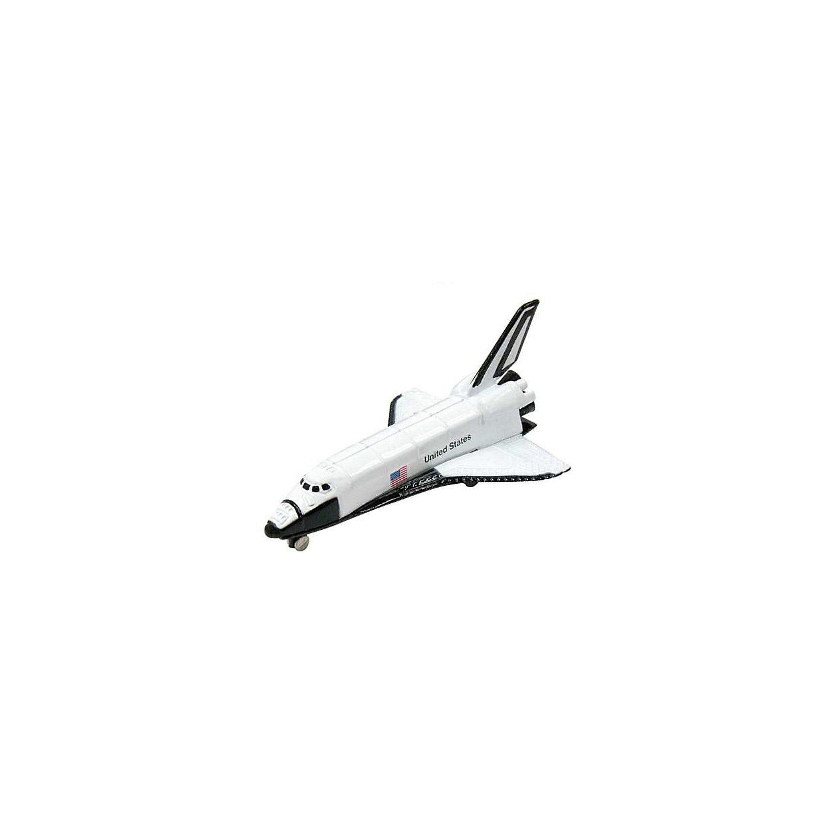 Космический корабль Space Shuttle,  MotormaxКоллекционные модели<br>Космический корабль Space Shuttle,  Motormax (Мотормакс) – это отличное пополнение коллекции авиационной техники.<br>Коллекционная игрушка космический корабль Space Shuttle от компании Motormax (Мотормакс) в точности повторяет контуры оригинального американского шаттла, чем вызовет неподдельный интерес, как у ребенка, так и взрослого коллекционера. Модель максимально приближена к своему прототипу. По сути это уменьшенная копия настоящего Шаттла, сохранившая его пропорции и узнаваемые элементы. Стоит также отметить хорошую для таких размеров детализацию. Модель изготовлена из прочного и качественного пластика, поэтому может использоваться и для обычной игры.<br><br>Дополнительная информация:<br><br>- Длина самолета: 9 см.<br>- Материал: пластик<br><br>Космический корабль Space Shuttle,  Motormax (Мотормакс) можно купить в нашем интернет-магазине.<br><br>Ширина мм: 127<br>Глубина мм: 30<br>Высота мм: 178<br>Вес г: 80<br>Возраст от месяцев: 36<br>Возраст до месяцев: 168<br>Пол: Мужской<br>Возраст: Детский<br>SKU: 3839004