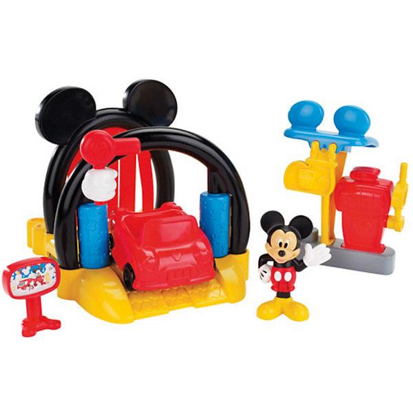 Игровой набор Автомойка, Микки МаусИгрушки<br>Игровой набор Автомойка, Микки Маус, Fisher-Price обязательно привлечет внимание Вашего ребенка своей красочностью и множеством занимательных деталей. Дизайн набора выполнен в стиле популярных диснеевских мультфильмов о мышонке Микки-Маусе (Mickey Mouse) и его друзьях. Машина Микки загрязнилась и он привез почистить ее на автомойку. Красочная автомойка с аркой в виде головы Микки оснащена всем необходимым для ухода за автомобилем. <br><br>Поместите машину на желтую платформу и потяните специальный рычажок - машина отправится на промывку: сначала она пройдет участок с тканевыми занавесками, где покроется пеной, затем пройдет через ролики для сильной очистки, и в завершение -просушка. После мойки машины ее можно будет заправить на заправке  с помощью канистры с топливом. У машинки крутятся колеса, у фигурки Микки сгибаются ноги, его можно посадить в машинку.<br><br>Дополнительная информация:<br><br>- В комплекте: фигурка Микки, автомобиль, автомойка, автозаправка, топливная станция.<br>- Материал: пластик, текстиль.<br>- Высота фигурки: 7 см.<br>- Размер автомобиля: 7,5 см.<br>- Размер автомойки: 20 х 16 х 13,5 см.<br>- Размер упаковки: 35,5 х 16 х 23 см.<br>- Вес: 0,909 кг.<br><br>Игровой набор Автомойка, Микки Маус, Fisher-Price (Фишер-Прайс) можно купить в нашем интернет-магазине.<br><br>Ширина мм: 230<br>Глубина мм: 160<br>Высота мм: 355<br>Вес г: 909<br>Возраст от месяцев: 36<br>Возраст до месяцев: 84<br>Пол: Женский<br>Возраст: Детский<br>SKU: 3847355