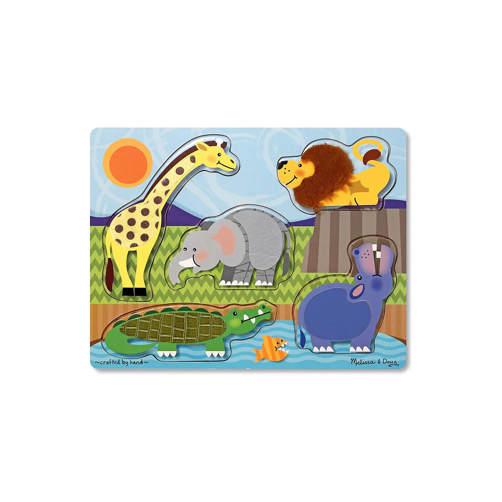 Рамка-вкладыш Зоопарк, 5 деталей, Melissa &amp; DougПазл Зоопарк, 5 деталей, Melissa &amp; Doug - идеальный выбор для самых маленьких. Игрушки с изображением животных привлекают внимание малышей. Кроха обязательно узнает: жирафа, льва, крокодила, бегемота и конечно слона. Фигурки с замечательными животными вынимаются и малышу необходимо вставить их на место. Делать это крохе будет намного интереснее, ведь с помощью искусственного меха производители сымитировали настоящую шерстку животных, живущих в зоопарке. Малыш будет снова и снова прикасаться к любимым животным и развивать тактильные навыки, так необходимые малышу для познания мира. Играйте и наслаждайтесь вместе с  Melissa &amp; Doug!<br><br>Дополнительная информация:<br><br>- Пазл 5 деталей идеален для самых маленьких;<br>- Потрясающие подарок для ребенка;<br>- Отличный тренажер мелкой моторики;<br>- Красочный дизайн;<br>- Каждое животное покрыто шерсткой;<br>- Материал: натуральное дерево, прессованный картон, ПВХ;<br>- Размер игрушки: 30 х 22 х 1 см;<br>- Размер упаковки: 30 х 10 х 23 см;<br>- Вес: 453 г<br><br>Пазл Зоопарк, 5 деталей, Melissa &amp; Doug   можно купить в нашем интернет-магазине.<br><br>Ширина мм: 300<br>Глубина мм: 10<br>Высота мм: 230<br>Вес г: 453<br>Возраст от месяцев: 24<br>Возраст до месяцев: 36<br>Пол: Унисекс<br>Возраст: Детский<br>SKU: 3861958