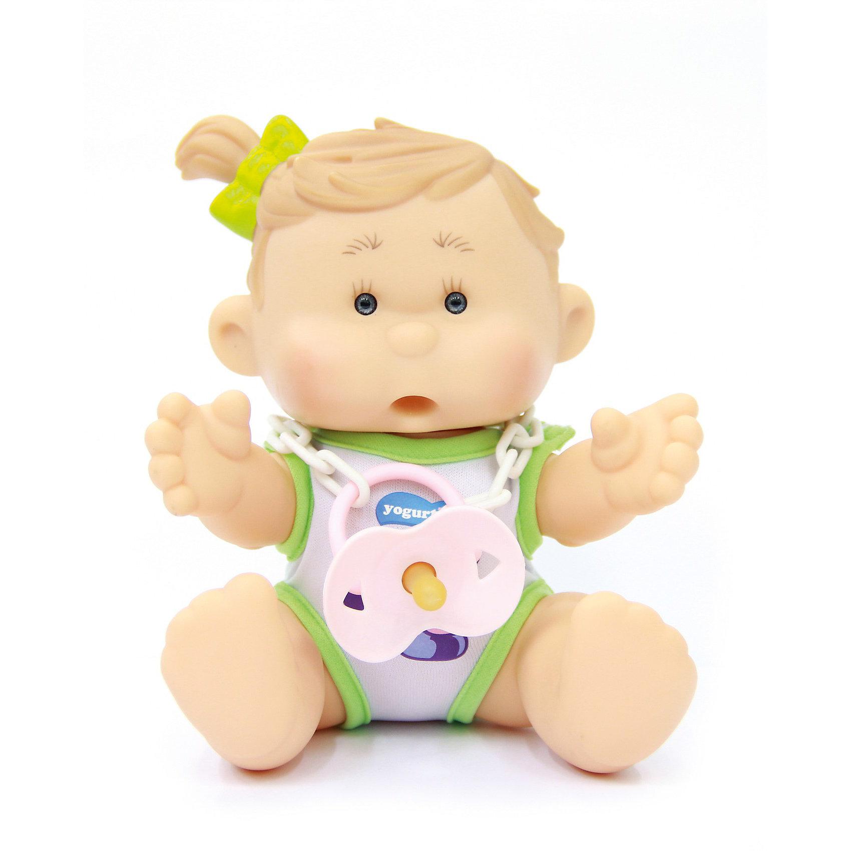 Пупс  Мила Слива, YogurtinisКуклы-пупсы<br>Фруктовые пупсы Yogurtinis (Йогуртини) уже завоевали любовь малышек по всему миру, теперь и Ваша девочка сможет по достоинству оценить этих трогательных, ароматных малышей. Пупс Мила Слива Yogurtinis (Йогуртини) - очень трогательное создание. У Милы забавные щечки и очень милый хвостик. Малышка так и просится на ручки.  Прелестная куколка сделана из мягкой резины: все части тела у нее подвижные, что создает множество возможностей для игры. Милу можно переодевать, укладывать спать, сажать и даже брать с собой в ванную!  <br>Особенность Милы —  уникальный йогуртово-сливовый аромат.  Ухаживая за пупсом, ребенок воспитывает в себе только самые полезные качества, учится заботе, доброте, развивает воображение и артистические навыки!<br><br>Дополнительная информация:<br><br>- В комплекте куколка Мила Слива с соской в классической упаковке для йогуртов;<br>- Прекрасный подарок маленькой девочке;<br>- Одежда снимается;<br>- Все части тела подвижны;<br>- Можно брать с собой в ванную;<br>- Прекрасный фруктовый аромат;<br>- Выразительное личико;<br>- Удобно брать в путешествия;<br>- Высота куколки: 22 см;<br>- Размер упаковки: 21 х 21 х 18 см;<br>- Вес: 500 г<br><br>Пупса Мила Слива, Yogurtinis (Йогуртини) можно купить в нашем интернет-магазине.<br><br>Ширина мм: 210<br>Глубина мм: 210<br>Высота мм: 180<br>Вес г: 500<br>Возраст от месяцев: 36<br>Возраст до месяцев: 72<br>Пол: Женский<br>Возраст: Детский<br>SKU: 3879036