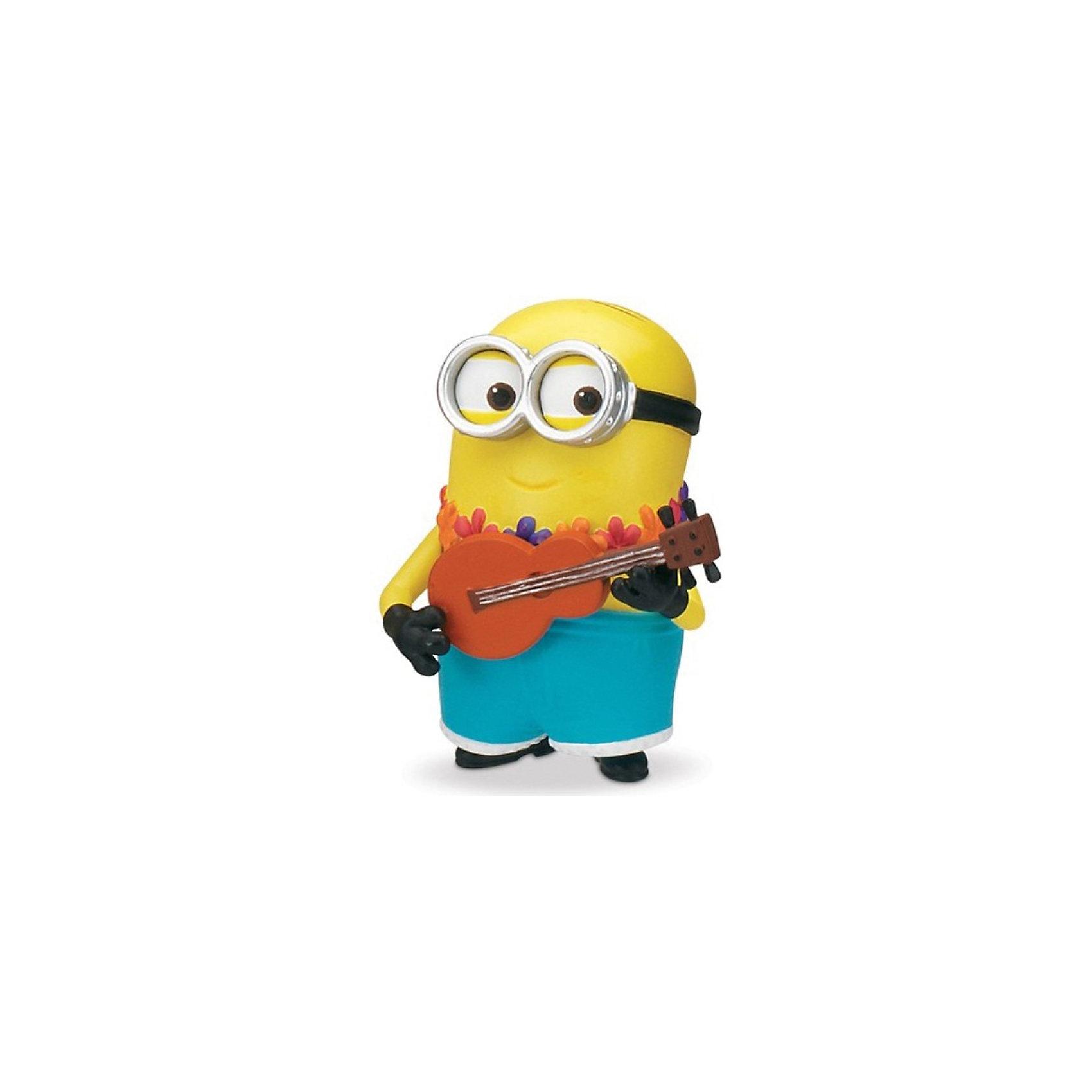 Гавайский миньон,  Гадкий ЯФигурка Гавайского миньона, Гадкий Я создана по мотивам популярного мультфильма Гадкий Я (Despicable Me) и придется по душе всем его поклонникам. По сюжету злодей Грю создал целую армию забавных существ - миньонов, которые являются для него слугами и помощниками. Эти трудолюбивые и смешные желтые существа  имеют один или два глаза и носят круглые очки. Гавайский миньон одет в яркие голубые шорты и гирлянду из цветов, у фигурки забавное лицо, два глаза и очки. Руки и ноги подвижные, в руки можно вложить гитару (входит в комплект).<br><br>Дополнительная информация:<br><br>- В комплекте: фигурка, аксессуар.<br>- Материал: пластик.<br>- Высота фигурка: 5 см.<br>- Размер упаковки: 10 х 5 х 19 см.<br>- Вес: 100 гр.<br><br>Гавайского миньона, Гадкий Я можно купить в нашем интернет-магазине.<br><br>Ширина мм: 100<br>Глубина мм: 50<br>Высота мм: 190<br>Вес г: 100<br>Возраст от месяцев: 36<br>Возраст до месяцев: 84<br>Пол: Унисекс<br>Возраст: Детский<br>SKU: 3893464