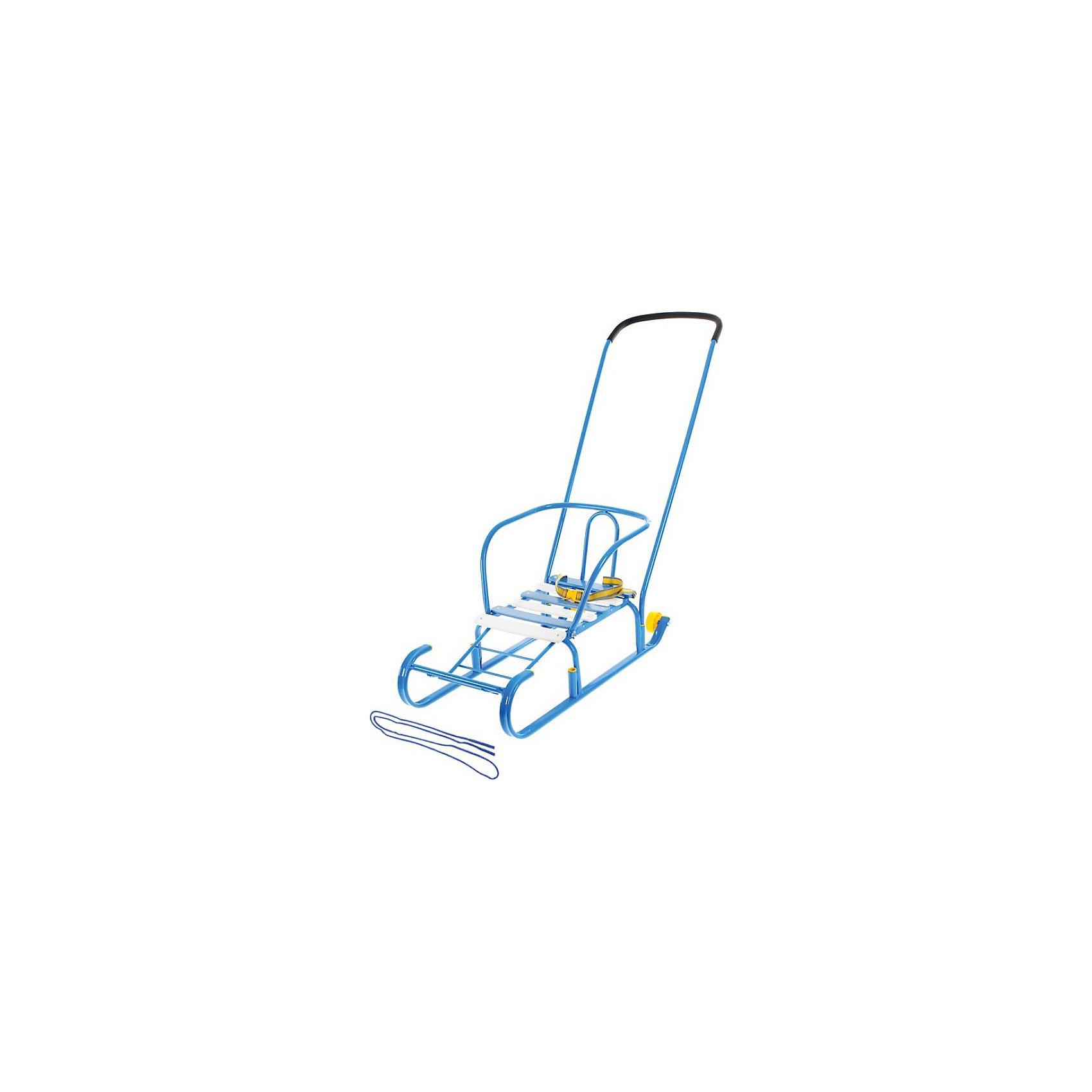 Санки-салазки с колесом Ника (ССК)Санки-салазки сделаны из прочного металлического профиля. Плоские полозья делают их более проходимыми по снегу. Ручка переставляется вперед/назад для того, что бы возить ребенка как спиной, так и лицом к себе. Детские салазки имеют ремень безопасности для малышей, которым ребенка можно зафиксировать, что предотвратит его сползание в санках и вылезания во время движения. Санки салазки имеют колеса! Поэтому эти санки нести не надо - их можно катить на задних колесиках.<br><br>Дополнительная информация:<br><br>- плоские полозья 30х15 мм <br>- удлиненная база<br>- поперечная рейка<br>- пластиковые вкладыши под толкатель<br>- ручка два положения<br>- задние колёсики<br>- ремень безопасности<br>- ступенчатая подножка<br><br>Санки-салазки с колесом Ника (ССК) можно купить в нашем магазине.<br><br>Ширина мм: 830<br>Глубина мм: 360<br>Высота мм: 180<br>Вес г: 3500<br>Возраст от месяцев: 12<br>Возраст до месяцев: 60<br>Пол: Унисекс<br>Возраст: Детский<br>SKU: 3894432