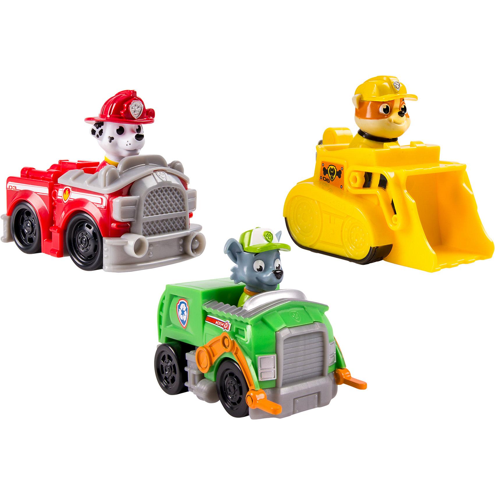 Набор из 3 маленьких машинок, Щенячий патруль, Spin MasterЛюбой юный поклонник мультфильма Paw Patrol (Щенячий патруль) будет рад такому набору . В каждый набор входят 3 машинки со щенками. Игрушки прекрасно детализированы, реалистично раскрашены, очень похожи на героев мультфильма.<br><br>Дополнительная информация:<br><br>- Материал: пластик.<br>- Колёса машинок вращаются.<br>- Длина машинок: 10 см.<br>- Фигурка щенка не снимается с машинки.<br>- Набор в ассортименте.<br>ВНИМАНИЕ! Данный артикул представлен в разных вариантах исполнения. К сожалению, заранее выбрать определенный вариант невозможно. При заказе нескольких наборов, возможно получение одинаковых.<br><br>Набор из 3 маленьких машинок, Щенячий патруль, Spin Master (Спин Мастер) можно купить в нашем магазине.<br><br>Ширина мм: 288<br>Глубина мм: 144<br>Высота мм: 81<br>Вес г: 327<br>Возраст от месяцев: 36<br>Возраст до месяцев: 60<br>Пол: Унисекс<br>Возраст: Детский<br>SKU: 3894437