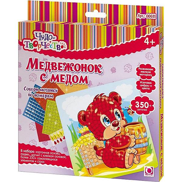 Самоклеющаяся мозаика Медвежонок с медом, ОригамиМозаика детская<br>Самоклеющаяся мозаика Медвежонок с медом, Оригами – это творческая игра, в результате которой у детей получается замечательный «шедевр».<br>Самоклеющаяся мозаика Медвежонок с медом - увлекательная игрушка для детей, которая поможет изучить цвета и цифры. Отличие этой мозаики от обычной в том, что все ее детали имеют клейкую основу, их только нужно правильно разместить. Отклеивая и приклеивая элементы самоклеющейся мозаики, дети совершают тонкие манипуляции, тренируя тем самым мелкую моторику и усидчивость. Проявив внимательность и аккуратность, получится яркая и веселая картинка, которую можно повесить на стену или прикрепить с помощью магнита на холодильник.<br><br>Дополнительная информация:<br><br>- В наборе: картонная основа с картинкой (20x20см), более 350 самоклеющихся элементов и страз, подвес, магнит с клейкой основой<br>- Размер упаковки: 20,5 х 1,5 х 23 см.<br><br>Самоклеющуюся мозаику Медвежонок с медом, Оригами можно купить в нашем интернет-магазине.<br><br>Ширина мм: 205<br>Глубина мм: 230<br>Высота мм: 15<br>Вес г: 108<br>Возраст от месяцев: 48<br>Возраст до месяцев: 108<br>Пол: Унисекс<br>Возраст: Детский<br>SKU: 3911428