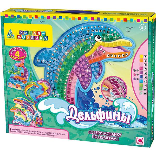 Мозаика-набор Дельфины (4 шт), ОригамиМозаика<br>Мозаика-набор Дельфины (4 шт.), Оригами – эта мозаика с самоклеющимися элементами отличается ярким дизайном и высоким качеством.<br>Этот замечательный набор стикеровой мозаики созданный специально для детей от 5-х лет, ведь подбирать и наклеивать стикеры необходимо по цифрам от 1 до 13. Каждому виду стикера соответствует своя цифра, а когда ребенок наклеит их все по схеме - получит оригинальную разноцветную фигурную картинку. В итоге, у девочки получится 4 фигурные картинки, которые можно расположить на подставках и даже повесить на стену с помощью аксессуаров, входящих в комплект. Яркая мозаика поможет детям сделать шаги в мир цвета, формы и фантазии, сделает пальцы послушными, научит азам моделирования, разовьёт внимательность и усидчивость, формирует наглядно-образное и логическое мышление, учит воспринимать связь между частью и целым, тренирует воображение, аккуратность, фантазию и развивает мелкую моторику рук.<br><br>Дополнительная информация:<br><br>- В наборе: 4 фигурные картинки, 4 подвеса, 4 подставки, более 1800 самоклеющихся элементов и стразов.<br>- Материал: пластик, картон<br>- Размер упаковки: 32,4 х 5,1 х 27,3 см.<br><br>Мозаику-набор Дельфины (4 шт.), Оригами можно купить в нашем интернет-магазине.<br>Ширина мм: 324; Глубина мм: 51; Высота мм: 273; Вес г: 600; Возраст от месяцев: 48; Возраст до месяцев: 108; Пол: Унисекс; Возраст: Детский; SKU: 3911461;