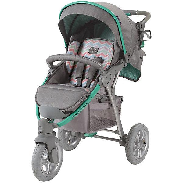 Прогулочная коляска Happy Baby Neon Sport, серый/зеленыйПрогулочные коляски<br>Стильная всесезонная коляска Neon Sport отличается высокой проходимостью. Хорошая амортизация и маневренность позволит передвигаться, не нарушая сон ребёнка. Овальное сечение алюминиевой рамы обеспечивает  легкость и прочность. Матрасик из мягкой дышащей ткани, пятиточечные ремни безопасности с накладками и съемный бампер гарантируют комфорт и безопасность ребёнку. Объёмный капюшон со смотровым окошком фиксируется в трёх положениях и опускается до бампера. Подставка для бутылочек на уровне рук взрослого облегчит процесс кормления. Переднее колесо поворотное с возможностью фиксации, что позволяет<br>маневрировать коляской практически на месте. Тормозное устройство приводится в действие одним движением. Регулируемая по высоте ручка, стильная сумка и вместительная корзина для покупок делают коляску не только удобной, но и практичной. Идеальный вариант для наших погодных условий и дорог.  <br><br>Дополнительная информация:<br><br>- Комплектность: коляска, дождевик, корзина для покупок, сумка для мамы, чехол для ножек.<br>- Алюминиевая рама с поперечным сечением.<br>- Количество колес: 3 шт.<br>- Тип колес: надувные, переднее поворотное.<br>- Ножной тормоз.<br>- Механизм складывания: книжка.<br>- Регулируемая по высоте ручка.<br>- Регулируемая по высоте спинка ( 3 положения, включая горизонтальное)<br>- Пятиточечные ремни безопасности с мягкими накладками.<br>- Капюшон со смотровым окошком  опускается до бампера)<br>- Складывающийся козырек.<br>- Вместительная корзина для покупок.<br>- Подставка для кружки.<br>- Съёмный бампер перед ребенком.<br>- Цвет: серый, зеленый.<br>- Длина спального места: 85 см.<br>- Размер коляски: 102 х 66 х 97 см.<br>- Размер сидения: 34 х 28/45 (с подножкой) см.<br>- Ширина колесной базы: 66 см.<br>- Диаметр колес: переднее - 26 см, задние - 30 см.<br>- Вес: 13 кг<br><br>Прогулочную коляска Neon Sport, Happy Baby (Хэппи Беби),  серый/зеленый, можно купить в нашем м