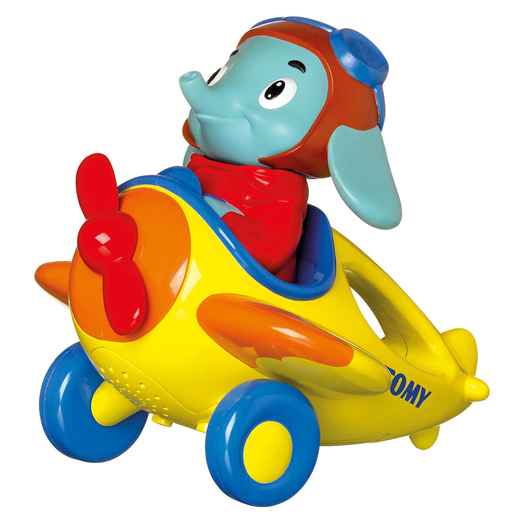 Игрушка Веселые виражи летчика Люка, TOMYСамолёты и вертолёты<br>Эта оригинальная игрушка обязательно понравится вашему малышу. Игрушка представляет собой самолетик, за штурвалом которого сидит веселый слоненок.<br>Когда ребенок берет игрушку в руку,  у нее заводится пропеллер, с соответствующим звуком и начинает играть веселая мелодия. <br>Если описывать самолётом петли в воздухе,  летчик начинает считать виражи.  Последовательно от 1 до 10.<br>После того как самолет приземляется двигатель глохнет и пропеллер останавливается.<br><br>Малыши обожают яркие игрушки со звуковыми эффектами, этот слоник подарит много радости и улыбок вашему крохе. Игрушка выполнена из высококачественных материалов, не имеет острых углов, безопасна для ребенка. <br><br>Дополнительная информация:<br><br>- Материал: пластик.<br>- Высота: 9х15х13 см.<br>- Цвет: желтый, голубой, синий, красный.<br>- Звуковые эффекты.<br>- Элемент питания: 3 батарейки ААА ( в комплекте).<br><br>Поддерживаемые языки:<br>- Русский<br>- Английский<br>- Испанский<br>- Итальянский<br><br>Игрушку Веселые виражи летчика Люка, TOMY (Томи) можно купить в нашем магазине.<br><br>Ширина мм: 210<br>Глубина мм: 150<br>Высота мм: 210<br>Вес г: 440<br>Возраст от месяцев: 18<br>Возраст до месяцев: 36<br>Пол: Унисекс<br>Возраст: Детский<br>SKU: 3922280