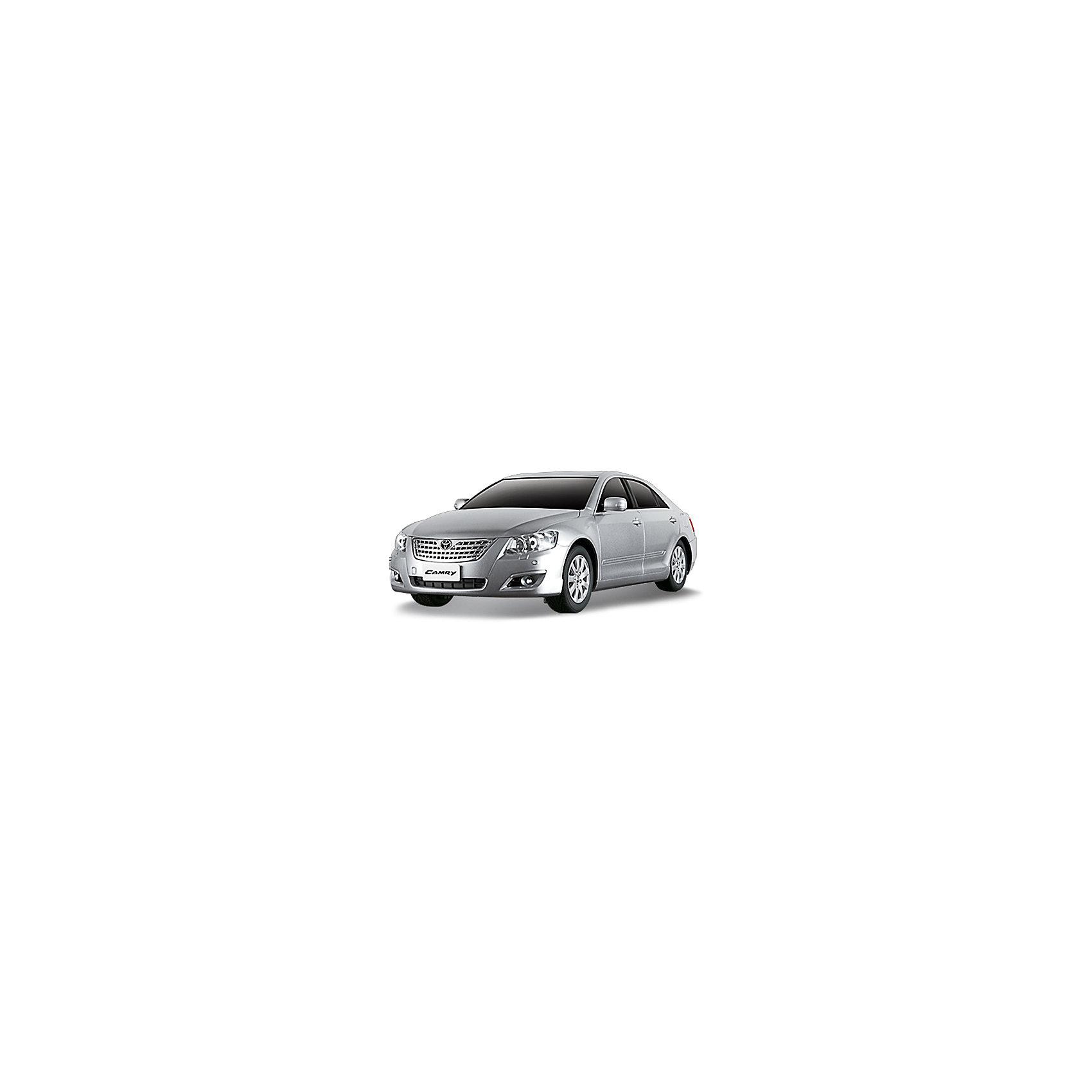 Машина TOYOTA CAMRY, 1:24, со светом, р/у, в ассортиментеТочная копия потрясающего седана TOYOTA CAMRY на радиоуправлении прекрасный подарок и малышу и взрослому любителю этой замечательной марки. Прекрасная детализированная копия TOYOTA CAMRY (Тойота Камри), уменьшенная в 24 раза может появиться у Вас дома! У машины загораются стоп сигналы и фары при движении, что придает ей еще большую реалистичность. Авто обладает неповторимым провокационным стилем и спортивным характером.  Функция полного управления позволяет машине с легкостью обходить все углы, даже на полном ходу. Модель движется с высокой скоростью можно управлять с расстояния до 25 м. Устраивайте гонки и шоу прямо у себя дома! <br><br>Дополнительная информация:<br><br>- Комплект: машина, пульт радиоуправления, руководство пользователя;<br>- Машинка движется вперёд и назад, влево, вправо;<br>- Светятся фары;<br>- Скорость: 7 км/час<br>- Контроль управления: 15-25 м;<br>- Масштаб: 1:24 см;<br>- Батарейки 3x1.5AA, в пульт 2x1.5AA (в комплект не входит);<br>- Материал: пластик, металл;<br>- Размер игрушки: 20 х 9 х 6 см;<br>- Размер упаковки: 25 х 13 х 11 см;<br>- Вес: 480 г<br><br>ВНИМАНИЕ! Данная игрушка представлена в разных цветах (черный, серый). К сожалению, предварительный выбор невозможен. При заказе нескольких игрушек возможно получение одинаковых.<br><br>Машину  TOYOTA CAMRY, 1:24, со светом, р/у, в ассортименте можно купить в нашем интернет-магазине.<br><br>Ширина мм: 270<br>Глубина мм: 130<br>Высота мм: 110<br>Вес г: 480<br>Возраст от месяцев: 36<br>Возраст до месяцев: 144<br>Пол: Мужской<br>Возраст: Детский<br>SKU: 3939479