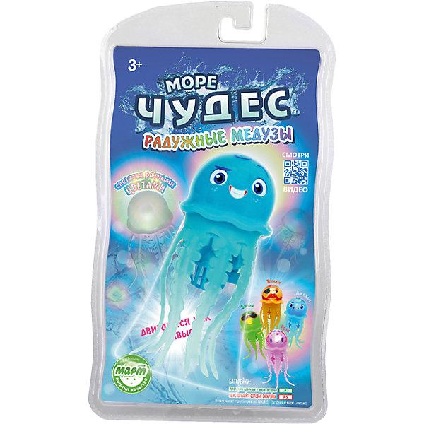 Плавающая радужная медуза Джилли, Море чудесРоборыбки<br>Эта веселая медуза подарит ребенку море радости и веселья. За счет моторчика, встроенного в туловище, медуза опускается на дно и поднимается к поверхности, шевеля щупальцами и повторяя движения настоящего животного, светится, изменяя цвет. <br>Игрушка не требует специального ухода, выполнена из высококачественных материалов, безопасна для детей. Медуза прослужит еще дольше, если после игры вынимать ее из воды. <br><br>Дополнительная информация: <br><br>- Материал: пластик, силикон.<br>- Размер медузы: 12 см. <br>- Элемент питания: 2 батарейки ААА (не входят в комплект).<br>- Светится.<br>- Цвет: голубой. <br><br>Радужную медузу Джилли, Море чудес можно купить в нашем магазине.<br><br>Ширина мм: 140<br>Глубина мм: 60<br>Высота мм: 240<br>Вес г: 103<br>Возраст от месяцев: 36<br>Возраст до месяцев: 72<br>Пол: Унисекс<br>Возраст: Детский<br>SKU: 3970428