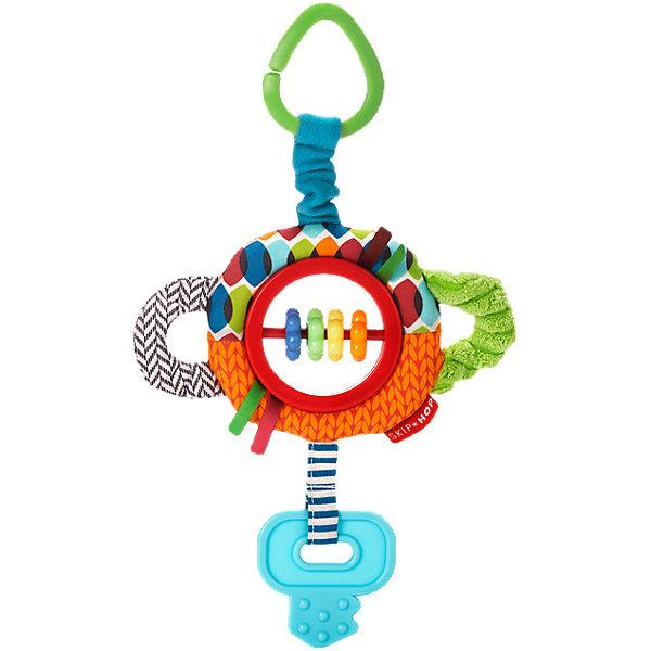 Развивающая игрушка-подвеска Ключик, Skip HopИгрушки для новорожденных<br>Развивающая игрушка-подвеска Ключик, Skip Hop<br><br>Характеристики:<br><br>• В набор входит: игрушка<br>• Состав: текстиль, пластик, каучук<br>• Размер: 17 * 3 * 25 см.<br>• Для детей в возрасте: от 6 месяцев<br>• Страна производитель: Китай<br><br>Наполненные новыми разными ощущениями текстур и звуков, маленькие ручки будут заняты изучением изгибов и шуршаний благодаря этому яркому ключику. Игрушка оснащена прорезиненными деталями для прорезывания зубов, безопасными бусинами, шуршащими элементами и подвеской для крепления на коляску или кроватку. <br><br>Благодаря удобному размеру игрушку легко хватать ручками и с ней приятно играть даже самым маленьким. Игрушка сочетает в себе сразу несколько цветов, чтобы привлечь внимание малыша и научить его разным оттенкам. Играя с этой игрушкой малыш сможет развивать логическое мышление, звуковое, зрительное и тактильное восприятие, а также моторику рук. <br><br>Развивающая игрушка-подвеска Ключик, Skip Hop можно купить в нашем интернет-магазине.<br><br>Ширина мм: 199<br>Глубина мм: 167<br>Высота мм: 32<br>Вес г: 73<br>Цвет: mehrfarbig<br>Возраст от месяцев: 1<br>Возраст до месяцев: 36<br>Пол: Унисекс<br>Возраст: Детский<br>SKU: 3971279