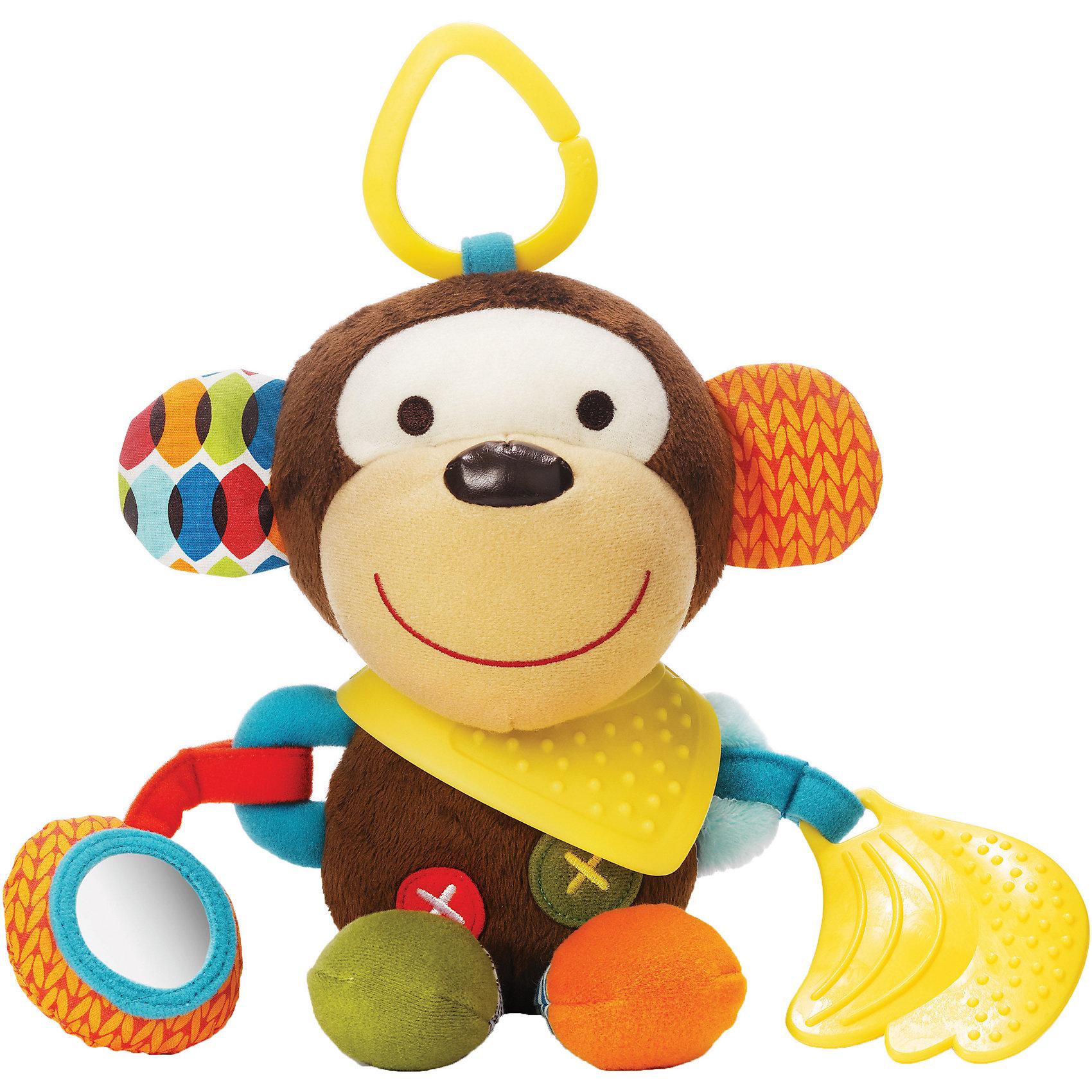 Развивающая игрушка-подвеска Обезьяна, Skip HopПодвески<br>Развивающая игрушка-подвеска Обезьяна, Skip Hop<br><br>Характеристики:<br><br>• В набор входит: игрушка<br>• Состав: текстиль, каучук<br>• Размер: 13 * 7,5 * 25,5 см.<br>• Для детей в возрасте: от 6 месяцев<br>• Страна производитель: Китай<br><br>Наполненные новыми разными ощущениями текстур и звуков, маленькие ручки будут заняты изучением изгибов и шуршаний благодаря этой озорной обезьянке. Игрушка оснащена прорезиненными деталями для прорезывания зубов, безопасным зеркальцем, шуршащими элементами и подвеской для крепления на коляску и кроватку. Игрушка изготовлена по современным технологиям и исключает добавление вредных для малышей компонентов. <br><br>Благодаря удобному размеру игрушку легко хватать ручками и с ней приятно играть даже самым маленьким. Игрушка сочетает в себе сразу несколько цветов, чтобы привлечь внимание малыша и научить его разным оттенкам. Играя с этой игрушкой малыш сможет развивать логическое мышление, звуковое, зрительное и тактильное восприятие, а также моторику рук. <br><br>Развивающая игрушка-подвеска Обезьяна, Skip Hop можно купить в нашем интернет-магазине.<br><br>Ширина мм: 193<br>Глубина мм: 180<br>Высота мм: 116<br>Вес г: 141<br>Цвет: mehrfarbig<br>Возраст от месяцев: 1<br>Возраст до месяцев: 36<br>Пол: Унисекс<br>Возраст: Детский<br>SKU: 3971281