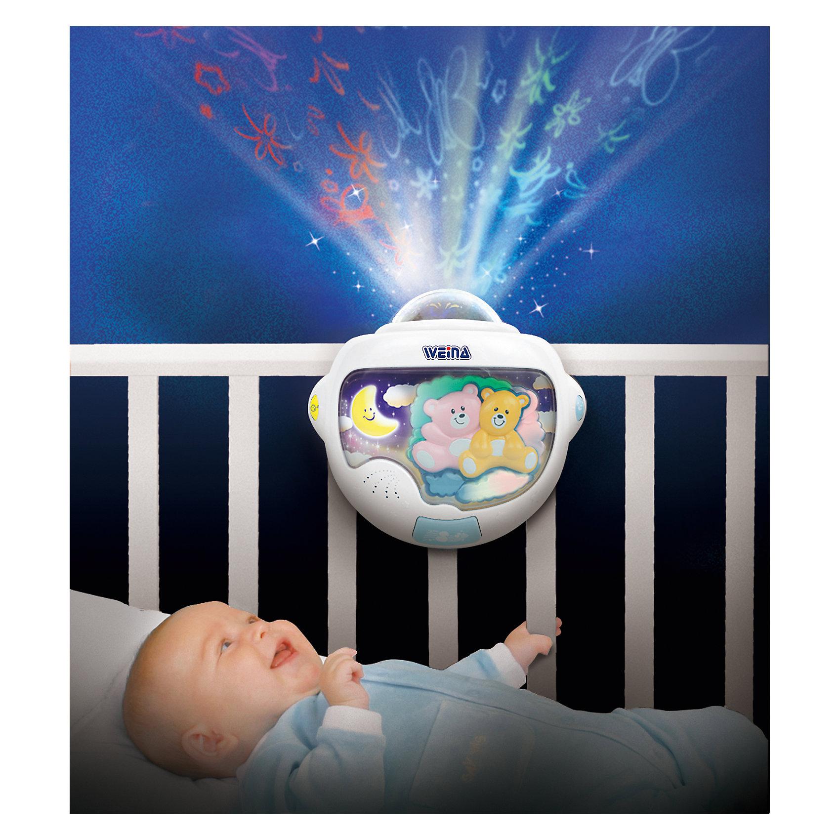 Ночник-проектор Звёздные мишки, WeinaНочник-проектор Тедди, Weina поможет создать мягкое освещение в комнате малыша, которое каждый раз будет настраивать его на здоровый сон.  Ночник-проектор в детской убаюкает малыша нежными мелодиями, когда это необходимо и развлечет кроху картинками, когда пришло время бодрствовать.  Приятные мелодии, мягкий свет и движущиеся картинки от проектора помогут ребенку успокоиться после дня полного ярких впечатлений и отправиться смотреть сказочные сны. У ночника есть датчик, благодаря которому он заметит, что кроха проснулся и включит убаюкивающую мелодию. Для удобства родителей и малыша все функции прибора можно включать отдельно и регулировать громкость звука.<br><br>Дополнительная информация:<br><br>- Подходит для детей с рождения;<br>- Регулировка громкости звука;<br>- Специальный датчик включает музыку, если ребенок проснулся;<br>- Функции проектора, ночника и музыки разделены<br>- Ночник работает от 3 батареек AA (1.5 В), входят в комплект;<br>- Размеры ночника: 25 х 15 х 23 см.<br><br>Ночник-проектор Тедди, Weina можно купить в нашем интернет-магазине.<br><br>Ширина мм: 670<br>Глубина мм: 570<br>Высота мм: 240<br>Вес г: 5200<br>Возраст от месяцев: 0<br>Возраст до месяцев: 24<br>Пол: Унисекс<br>Возраст: Детский<br>SKU: 3979987
