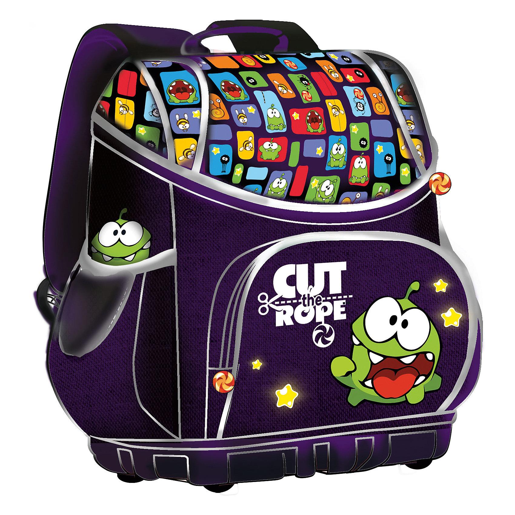 Школьный ранец Smart bag с жестким каркасом, Cut the RopeРанец Smart bag, EVA с жестким каркасом, Cut the Rope – это удобный, надежный, долговечный, а главное - безопасный ранец.<br>Оригинальная модель ранца Smart bag разработана специально для учеников младших классов. Удобный легкий ранец с продуманной системой внутреннего пространства. Жесткий каркас из EVA материала не позволит ранцу сгибаться и защитит его содержимое. Высокое жесткое водонепроницаемое дно защитит ранец от загрязнений и не позволит ему перевернуться. Эргономичная спинка помогает равномерно распределить вес ранца. Широкие уплотненные регулируемые лямки позволяют адаптировать ранец к изменению роста ребенка. Три отделения и передний карман на молнии для удобной системы хранения. Два боковых кармана для бутылочки и зонтика. Бегунки застежек-молний украшены брелоками с изображением Сердитых птичек, имеются брендовые нашивки. Светоотражающие полосы позволяют хорошо видеть ребенка на проезжей части в темное время суток и в сумерках.<br><br>Дополнительная информация:<br><br>- Размер: 38 х 31 х 20 см.<br>- Вес: 780 гр.<br>- Цвет: синий<br><br>Ранец Smart bag, EVA с жестким каркасом, Cut the Rope можно купить в нашем интернет-магазине.<br><br>Ширина мм: 380<br>Глубина мм: 310<br>Высота мм: 20<br>Вес г: 1050<br>Возраст от месяцев: 48<br>Возраст до месяцев: 96<br>Пол: Унисекс<br>Возраст: Детский<br>SKU: 3986183