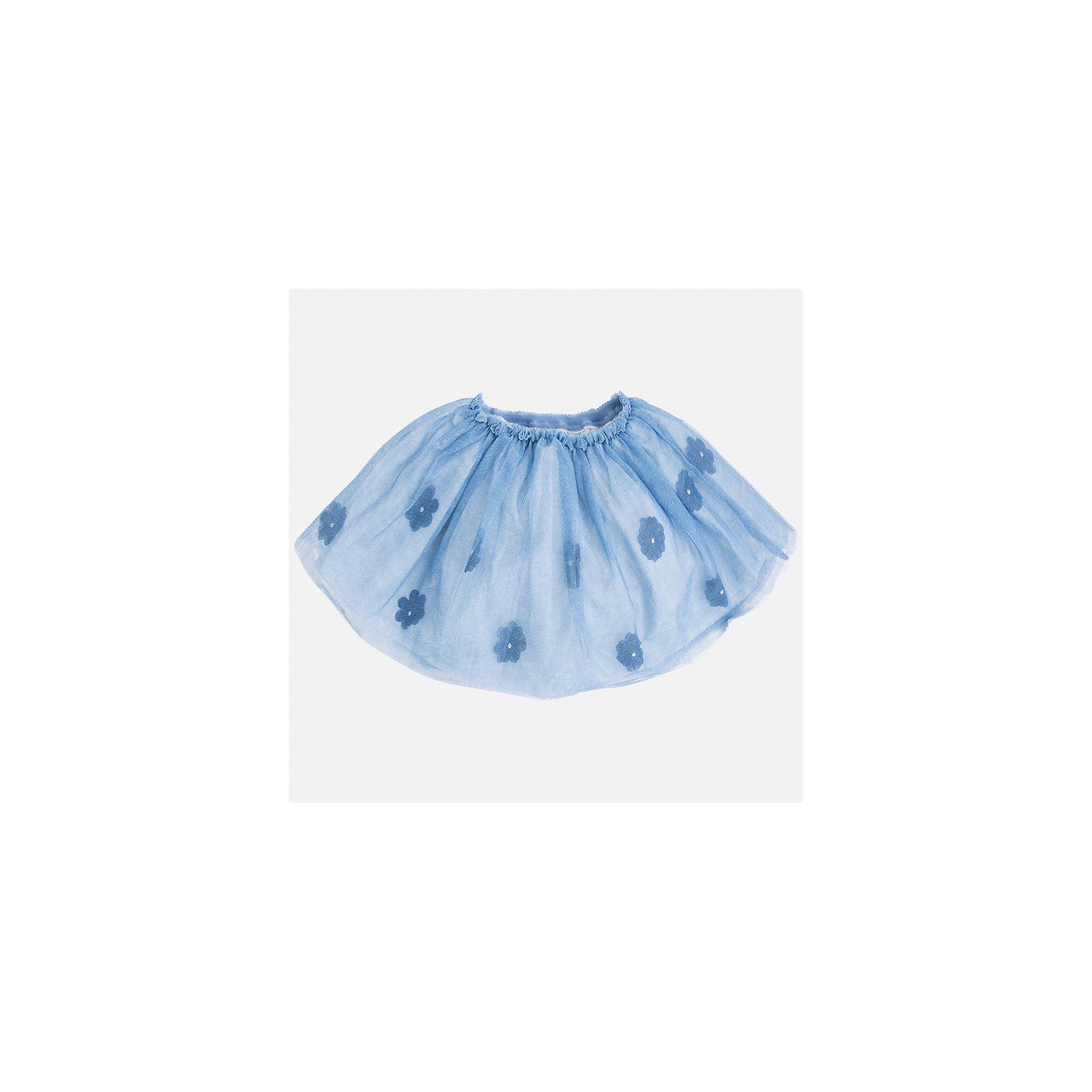 Юбка для девочки MayoralЮбки<br>Характеристики товара:<br><br>• цвет: голубой<br>• состав: 100% полиэстер, подкладка - 70% полиэстер, 30% хлопок<br>• пояс на резинке<br>• легкий материал<br>• с подкладкой<br>• верхний слой - с цветами<br>• страна бренда: Испания<br><br>Легкая юбка для девочки поможет разнообразить гардероб ребенка и создать эффектный наряд. Она отлично сочетаются с майками, футболками, блузками. Красивый оттенок позволяет подобрать к вещи верх разных расцветок. В составе материала подкладки - натуральный хлопок, гипоаллергенный, приятный на ощупь, дышащий. Юбка отлично сидит и не стесняет движения.<br><br>Одежда, обувь и аксессуары от испанского бренда Mayoral полюбились детям и взрослым по всему миру. Модели этой марки - стильные и удобные. Для их производства используются только безопасные, качественные материалы и фурнитура. Порадуйте ребенка модными и красивыми вещами от Mayoral! <br><br>Юбку для девочки от испанского бренда Mayoral (Майорал) можно купить в нашем интернет-магазине.<br><br>Ширина мм: 207<br>Глубина мм: 10<br>Высота мм: 189<br>Вес г: 183<br>Цвет: синий<br>Возраст от месяцев: 24<br>Возраст до месяцев: 36<br>Пол: Женский<br>Возраст: Детский<br>Размер: 98,104,122,128,116,110,134<br>SKU: 3993132