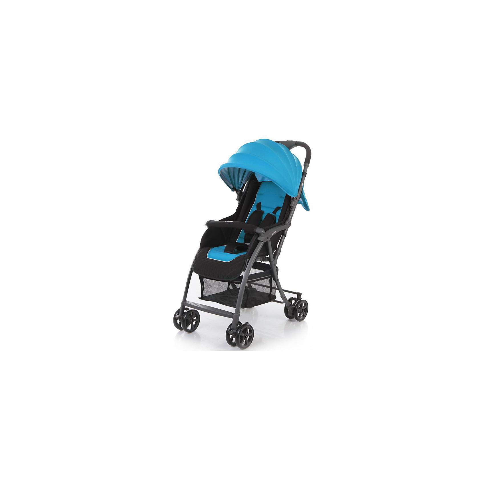 Прогулочная коляска Jetem Fit, синийПрогулочные коляски<br>Jetem Fit – уникально легкая прогулочная коляска, идеально подходящая для поездок и активного отдыха. <br>Сдвоенные колеса обеспечивают хорошую проходимость и устойчивость. Передние поворотные колеса с фиксацией - для маневренности и быстроты передвижения. Регулируемая с помощью ремня спинка и большой капюшон, раскладывающийся до бампера, позволят вашему крохе спокойно отдыхать в любой ситуации. Материал обивки мягкий и приятный на ощупь, он легко моется и быстро сохнет. 5-титочечные ремни и мягкий съемный бампер обеспечивают комфорт и безопасность даже самому активному малышу. Коляска быстро и легко складывается, в сложенном виде может самостоятельно стоять без опоры, занимает очень мало места при транспортировке и хранении. <br><br>Дополнительная информация:<br><br>- Механизм складывания: книжка.<br>- Комплектация: коляска, чехол на ножки.<br>- Материал: металл, пластик, текстиль, резина.<br>- Размер: 59х45х100 см<br>- Размер в сложенном виде: 27х45х91 см.<br>- Размер колесной базы: 59 см.<br>- Ширина сиденья: 32 см.<br>- Вес: 4,15 кг<br>- Количество колес: 4 (сдвоенные).<br>- Диаметр колес: 12,7 см.<br>- Цвет: синий.<br>- Передние колеса поворотные, с возможностью блокировки.<br>- Стояночный тормоз.<br>- 5-ти точечные ремни безопасности.<br>- Съемный бампер.<br>- Регулировка спинки в 3 положениях. <br>- Регулируемая подножка.<br>- Солнцезащитный козырек.<br>- Вместительная корзина для покупок.<br><br>Прогулочную коляску Fit, Jetem (Жетем), синюю, можно купить в нашем магазине.<br><br>Ширина мм: 1000<br>Глубина мм: 450<br>Высота мм: 270<br>Вес г: 6400<br>Цвет: синий<br>Возраст от месяцев: 6<br>Возраст до месяцев: 36<br>Пол: Унисекс<br>Возраст: Детский<br>SKU: 3995825