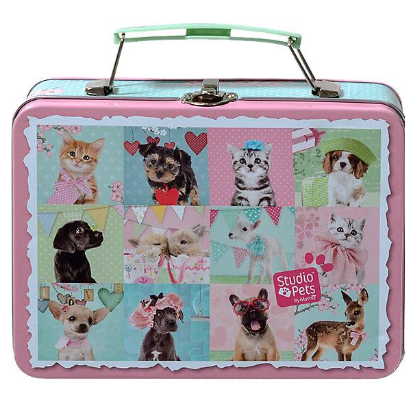 Набор для творчества Магниты со щенкамиДругие наборы<br>Набор для творчества в оловянном чемоданчике с замком, который можно использовать как коробку для завтраков станет прекрасным подарком для девочки. С этим чудесным набором малышка сможет создать красивые магниты с изображениями милых зверушек. Наборы для творчества - один из самых увлекательных способов развить мелкую моторику рук, фантазию, воображение и проявить творческие способности ребенка.<br><br>Дополнительная информация:<br><br>- Материал: пластик, текстиль, клей, фольга. <br>- Комплектация: 6 прозрачных шариков, самоклеящаяся магнитная фольга, несколько разноцветных бусинок, 6 разноцветных ленточек, клей, проволока, наклейки Домашние питомцы, инструкция.<br>- Что ты можешь сделать: 6 магнитов.<br><br>Набор для творчества Магниты можно купить в нашем магазине.<br>Ширина мм: 188; Глубина мм: 146; Высота мм: 61; Вес г: 279; Возраст от месяцев: 60; Возраст до месяцев: 120; Пол: Женский; Возраст: Детский; SKU: 3996509;