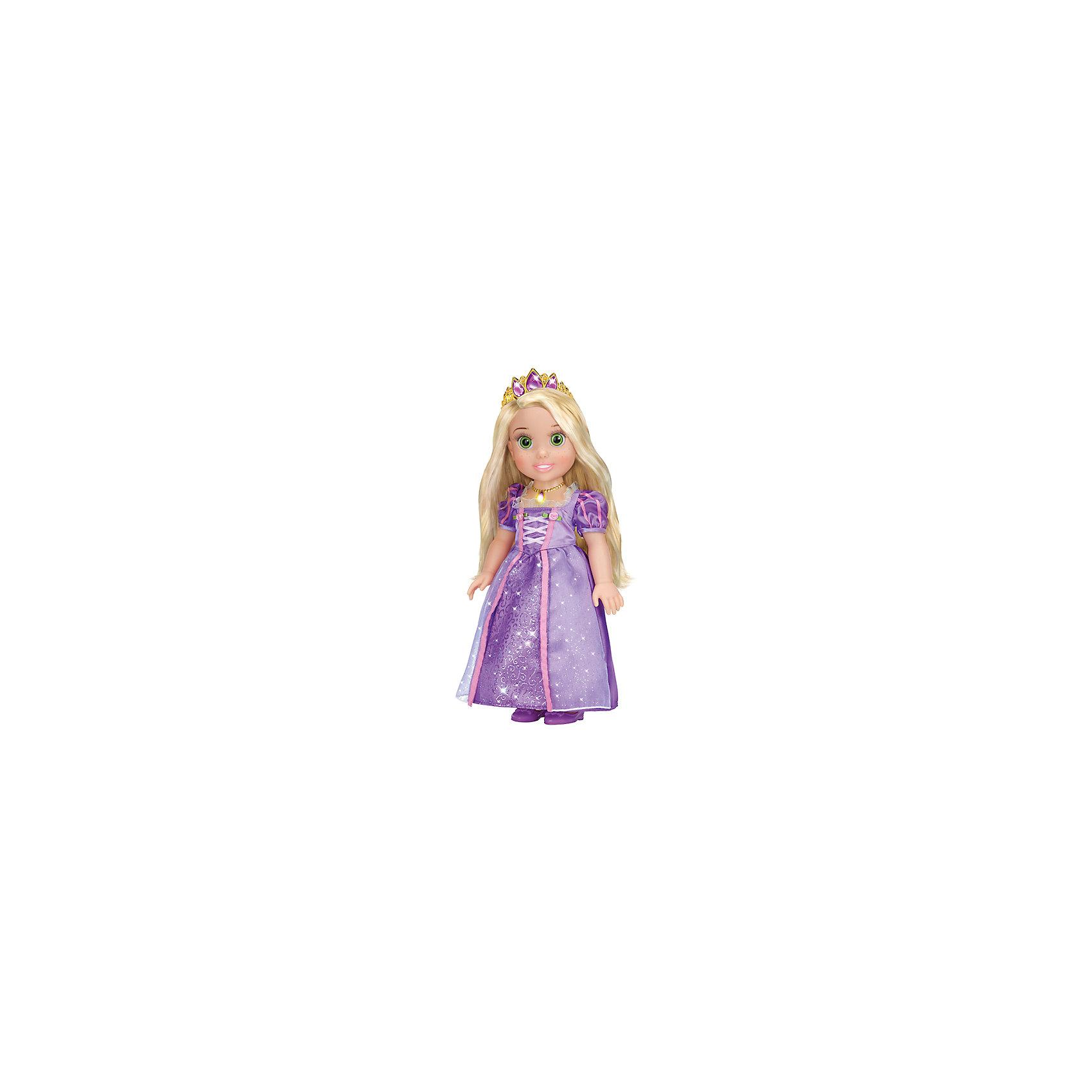 Кукла Рапунцель со светящимся амулетом, 37 см, со звуком, Принцессы Дисней, КарапузИгрушки<br>Все малышки обожают диснеевские сказки про принцесс! Но до того, как Рапунцель стала взрослой, она была очаровательной малышкой, такой как куколка Рапунцель из серии Disney Princess (Принцессы Диснея), Карапуз. Малышка Рапунцель совершенно очаровательное создание: у нее выразительные глазки, длинные ресницы и целая копна шелковистых золотых  волос.  Девочка будет с восхищением расчесывать свою маленькую принцессу, переодевать и слушать замечательную песенку.  Как у любой принцессы у куколки есть драгоценная тиара и волшебный светящийся амулет. Прекрасное платьице малышки можно снимать и придумывать ей другие наряды, еще Рапунцель умеет говорить! <br><br>Дополнительная информация:<br><br>- Комплект: кукла, амулет, диадема, туфельки;<br>- Куколка говорит фразу и поет песенку;<br>- Куколка создана по мотивам мультфильмов Disney (Дисней);<br>- Работает от  батареек: 3 х AG3 / LR41 (таблетки);<br>- Материал: пластик, текстиль;<br>- Прекрасная детализация;<br>- Ручки и ножки подвижны;<br>- Высота куколки: 37 см;<br>- Вес: 920 г<br><br>Куклу Рапунцель со светящимся амулетом, 37 см, со звуком,  Disney Princess (Принцессы Диснея), Карапуз можно купить в нашем интернет-магазине.<br><br>Ширина мм: 220<br>Глубина мм: 400<br>Высота мм: 130<br>Вес г: 920<br>Возраст от месяцев: 36<br>Возраст до месяцев: 84<br>Пол: Женский<br>Возраст: Детский<br>SKU: 3996824
