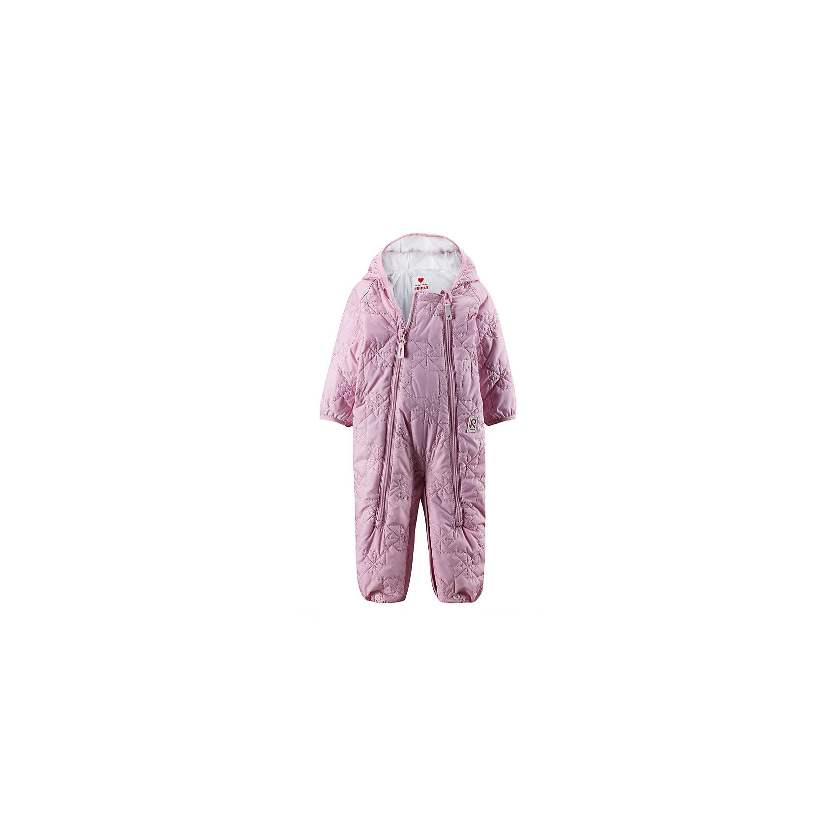 Комбинезон  для девочки ReimaОдежда<br>Комбинезон от популярной финской марки Reima.<br>-Стеганный комбинезон для новорожденных с легким утеплителем<br>-Может трансформироваться в конверт<br>-Две длинные молнии для удобства одевания<br>-Концы рукавов и брючин внахлест<br><br>Состав:100% Полиэстер<br><br>Ширина мм: 356<br>Глубина мм: 10<br>Высота мм: 245<br>Вес г: 519<br>Цвет: розовый<br>Возраст от месяцев: 0<br>Возраст до месяцев: 1<br>Пол: Женский<br>Возраст: Детский<br>Размер: 74,62,50<br>SKU: 3997411