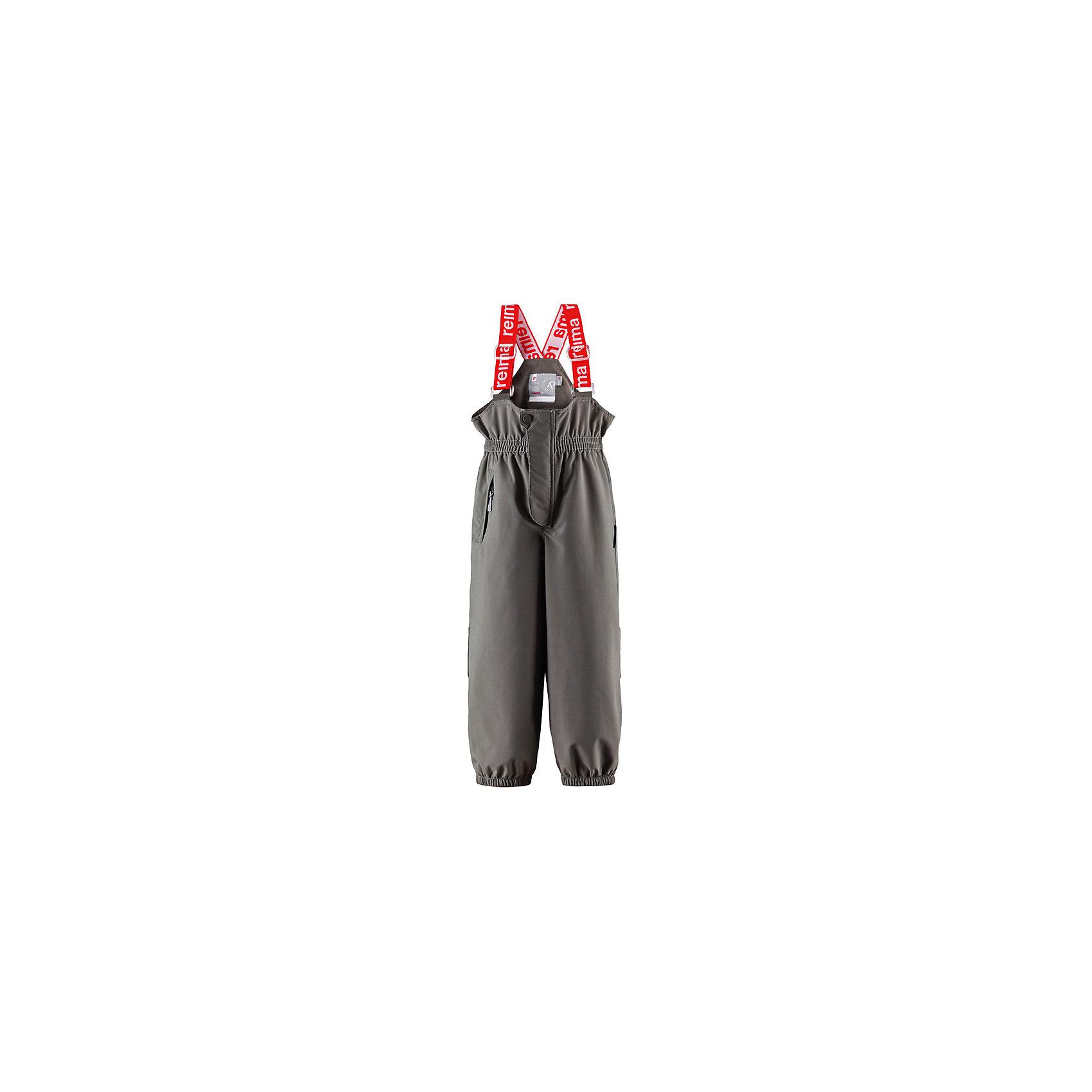 Брюки Reimatec®  ReimaВодонепроницаемые, дышащие брюки для детей на любую погоду с удобными подтяжками – абсолютно необходимая вещь для прогулок на воздухе в межсезонье. Эта модель защищает спину и подходит для использования в зимнее время, нужно только добавить средних слоев под низ для дополнительного тепла. Эластичный пояс и регулируемые подтяжки гарантируют хорошую посадку по фигуре, а износостойкие силиконовые штрипки фиксируют низ брючин на месте, независимо от вида деятельности!<br><br>-Демисезонные непромокаемые брюки для детей, модель в стиле ORIGINAL<br>-Все швы проклеены для создания водонепроницаемости<br>-Прочный материал<br>-Высокая эластичная талия <br>-Регулируемые подтяжки<br>-Один карман на молнии<br>-Прочные силиконовые штрипки<br>-Водонепроницаемость выше 10000 мм<br>Состав:100% Полиамид, Полиуретан-покрытие<br><br>Брюки Reimatec® (Рейматек) Reima (Рейма) можно купить в нашем магазине.<br><br>Ширина мм: 215<br>Глубина мм: 88<br>Высота мм: 191<br>Вес г: 336<br>Цвет: серый<br>Возраст от месяцев: 18<br>Возраст до месяцев: 24<br>Пол: Унисекс<br>Возраст: Детский<br>Размер: 152,146,92,110,116,122,140,98,128,134,104<br>SKU: 3997845