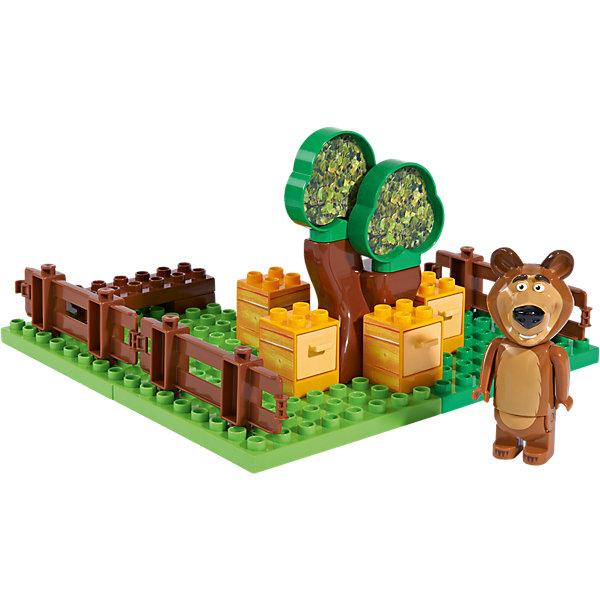 Конструктор Маша и Медведь, Пчелиная ферма Мишки,  21 деталь, BIGПластмассовые конструкторы<br>Характеристики:<br><br>• серия: Маша и Медведь;<br>• тема набора: Пчелиная ферма;<br>• количество деталей: 21 шт.;<br>• 1 минифигурка в комплекте;<br>• развитие конструкторских навыков;<br>• в наборе: пластины для создания основы пасеки, улья, деревья, элементы ограждений, фигурка Мишки;<br>• материал: пластик;<br>• размер упаковки: 39х29х49 см. <br><br>Мишка-сладкоежка много времени проводит на пасеке. Любитель меда содержит в чистоте и порядке все свои улья, на лужайке ровно подстрижена травка и облагорожены деревья. Пасека обнесена ограждением, чтобы любопытный кролик держался подальше от Мишкиных владений. Конечности Маши подвижны: руки поднимаются, Машу можно усадить. В процессе игры развивается фантазия, образное мышление, появляется возможность обыграть сценки из мультфильма. <br><br>Конструктор Маша и Медведь, Пчелиная ферма Мишки,  21 деталь, BIG можно купить в нашем интернет-магазине.<br>Ширина мм: 287; Глубина мм: 192; Высота мм: 165; Вес г: 650; Возраст от месяцев: 18; Возраст до месяцев: 36; Пол: Унисекс; Возраст: Детский; SKU: 4012827;