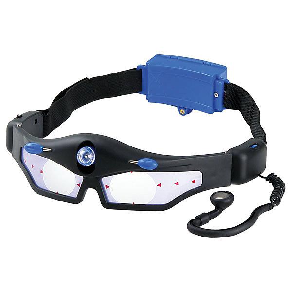 Шпионские очки, Edu-ToysФокусы и розыгрыши<br>Шпионские очки, Edu-Toys - оригинальный подарок, который обязательно порадует маленького детектива. Шпионское устройство представляет из себя очки из прочного пластика, со встроенными в оправу подслушивающим устройством и фонариком. Подслушивающее устройство способно усиливать тихие звуки и разговор, который происходит за стеной или на расстоянии, а встроенный ограничитель громкости предохранит от слишком громкого звука в наушнике. Налобный фонарик светит в темноте направленным пучком и позволяет рассматривать предметы рядом с собой, при этом сам владелец очков не слишком заметен. Очки достаточно легкие и не создают дискомфорта при использовании.<br><br>Дополнительная информация:<br><br>- Материал: пластик. <br>- Требуются батарейки: 2 х AA (в комплект не входят).<br>- Размер упаковки: 23 х 6,5 х 28 см. <br>- Вес: 0,31 г.<br><br>Шпионские очки, Edu-Toys, можно купить в нашем интернет-магазине.<br><br>Ширина мм: 230<br>Глубина мм: 65<br>Высота мм: 280<br>Вес г: 310<br>Возраст от месяцев: 96<br>Возраст до месяцев: 144<br>Пол: Унисекс<br>Возраст: Детский<br>SKU: 4013743