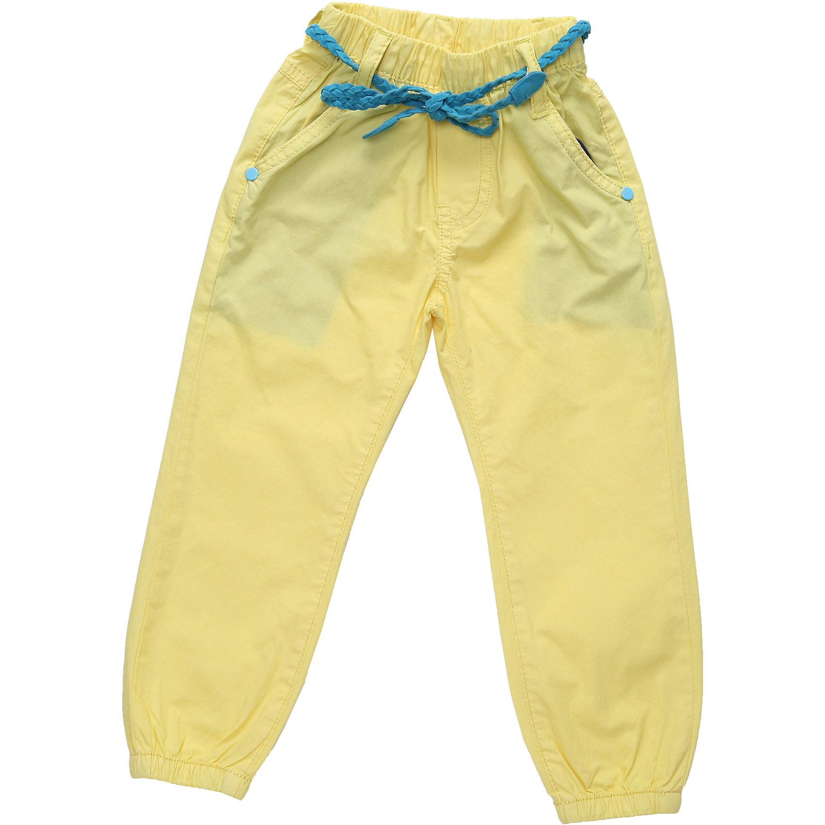 Брюки для девочки Sweet BerryХлопковые брюки яркого цвета, с регулируемым шнурком на поясе. Брюки внизу декорированы резинкой.<br>Состав:<br>100% хлопок<br><br>Ширина мм: 215<br>Глубина мм: 88<br>Высота мм: 191<br>Вес г: 336<br>Цвет: желтый<br>Возраст от месяцев: 12<br>Возраст до месяцев: 15<br>Пол: Женский<br>Возраст: Детский<br>Размер: 80,92,86,98<br>SKU: 4018419