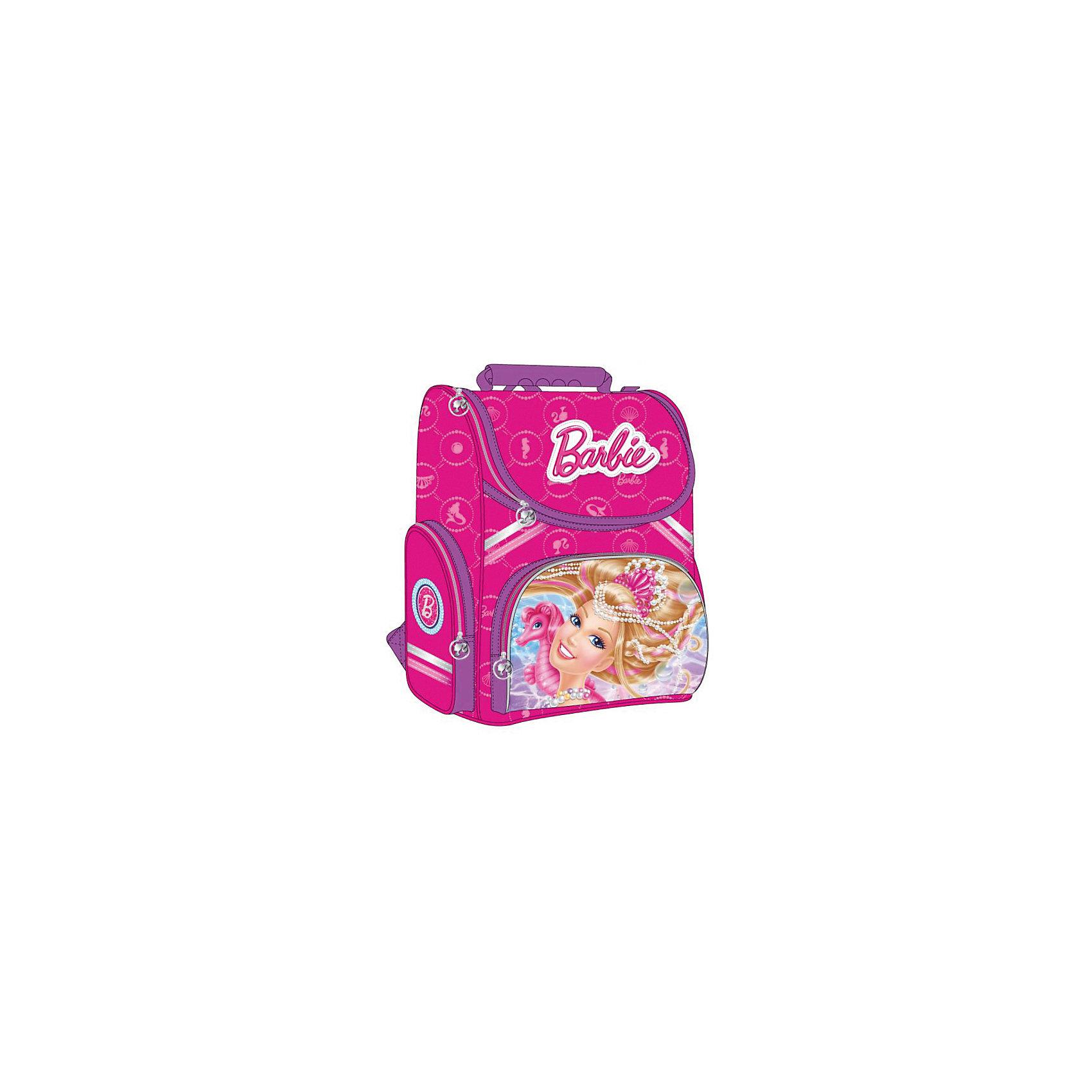 Школьный ранец, BarbieЯркий розовый рюкзак с любимицей всех девчонок - очаровательной Барби, обязательно понравится юным модницам. Рюкзак имеет облегченный корпус, светоотражающие элементы и регулируемые по длине лямки с мягкими накладками. Ортопедическая спинка со специальной дышащей системой обеспечивает комфорт и способствует улучшению осанки ребенка. Удобный механизм открывания позволит ребенку быстро и без посторонней помощи найти и вытащить из рюкзака все, что ему нужно. Модель имеет одно вместительное отделение с разделителями, передний карман на молнии, два боковых кармана для мелочей (один на молнии, другой из сетки).<br><br>Дополнительная информация:<br><br>- Материал: пластик, текстиль, полиэстер.<br>- Размер: 35 x 29x 16 см.<br>- Цвет: розовый.<br>- Тип застежки: молния.<br>- Количество отделений: 1<br>- Количество карманов: 3<br>- Ортопедическая спинка.<br>- Лямки регулируются по длине.<br>- Удобная ручка.<br>- Вес: 0,95кг.<br>- Подходит на рост: 122-134 см. <br><br>Рюкзак-ранец Barbie (Барби), Играем вместе, можно купить в нашем магазине.<br><br>Ширина мм: 850<br>Глубина мм: 370<br>Высота мм: 290<br>Вес г: 950<br>Возраст от месяцев: 72<br>Возраст до месяцев: 120<br>Пол: Женский<br>Возраст: Детский<br>SKU: 4028889
