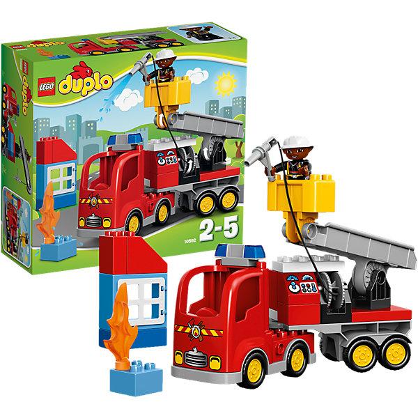 LEGO DUPLO 10592: Пожарный грузовикПластмассовые конструкторы<br>Замечательная новинка от LEGO DUPLO (ЛЕГО Дупло) 10592: Пожарный грузовик! Более увлекательного набора для развития ребенка просто не найти. Крупные яркие кубики легко соединяются: пару движений и пожарная машина со стрелой и лебедкой для пожарного готова. Грузовик очень интересный: он оснащен мигалкой, боковыми отсеками и пожарным рукавом. Посадите пожарного в кабину специальной машины и спешите к месту возгорания. Загорелось высотное здание, но это не помеха. Поместите спасателя в подвижную лебедку и поднимайте наверх. Не забудьте размотать пожарный рукав и можно тушить. Но на этом работа спасателя не закончена: он обязательно должен проверить здание. Малыш придумает для этой чудо-машины и спасателя множество интересных миссий. Строя машину, домик и просто соединяя детали между собой ребёнок в увлекательной игровой форме тренирует мелкую моторику и координацию. Создайте интересные и увлекательные сюжеты с набором LEGO DUPLO (ЛЕГО Дупло) 10592: Пожарный грузовик или объедините его с другими наборами серии и игра станет еще увлекательнее!  <br><br>Конструкторы LEGO DUPLO (ЛЕГО ДУПЛО) созданы специально для детей дошкольного возраста. Они сочетают увлекательную игру и обучение, а также развивают мелкую моторику, пространственное мышление и творческие способности малышей. Кубики LEGO DUPLO (ЛЕГО ДУПЛО) в 8 раз больше, чем обычные, что позволяет ребенку удобно держать их ручками и быстро строить. Большое количество дополнительных элементов делает игровые сюжеты по-настоящему захватывающими и реалистичными. Все наборы LEGO DUPLO (ЛЕГО ДУПЛО) соответствуют самым высоким европейским стандартам качества и абсолютно безопасны. <br><br>Дополнительная информация:<br><br>- Конструкторы LEGO (ЛЕГО) отлично развивают моторику, мышление и фантазию Вашего ребенка;<br>- В комплекте: минифигурка спасателя, пожарный рукав, пламя, детали набора;<br>- Количество деталей: 26 шт;<br>- Идеальный первый конструктор;<br>- Сери