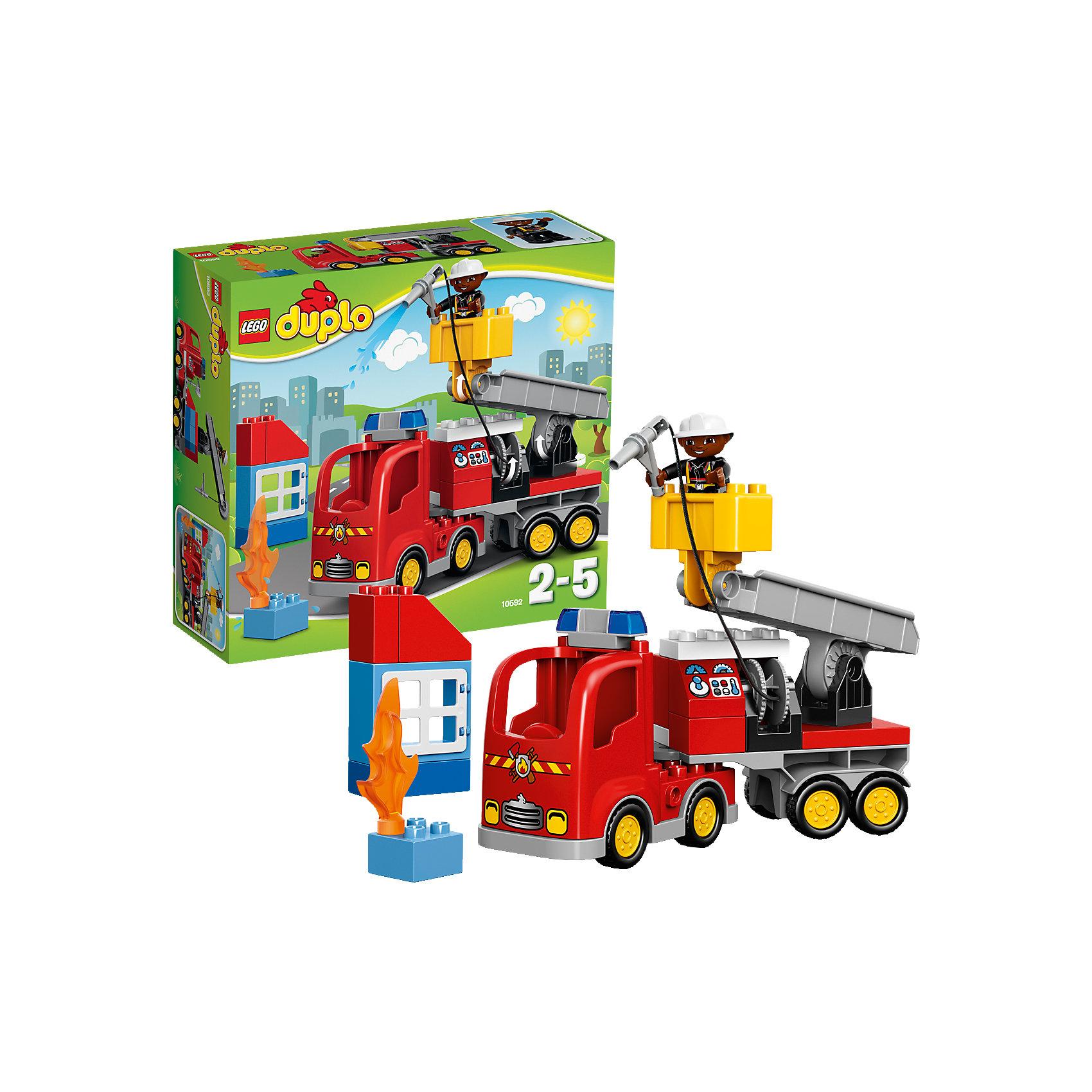 LEGO DUPLO 10592: Пожарный грузовикЗамечательная новинка от LEGO DUPLO (ЛЕГО Дупло) 10592: Пожарный грузовик! Более увлекательного набора для развития ребенка просто не найти. Крупные яркие кубики легко соединяются: пару движений и пожарная машина со стрелой и лебедкой для пожарного готова. Грузовик очень интересный: он оснащен мигалкой, боковыми отсеками и пожарным рукавом. Посадите пожарного в кабину специальной машины и спешите к месту возгорания. Загорелось высотное здание, но это не помеха. Поместите спасателя в подвижную лебедку и поднимайте наверх. Не забудьте размотать пожарный рукав и можно тушить. Но на этом работа спасателя не закончена: он обязательно должен проверить здание. Малыш придумает для этой чудо-машины и спасателя множество интересных миссий. Строя машину, домик и просто соединяя детали между собой ребёнок в увлекательной игровой форме тренирует мелкую моторику и координацию. Создайте интересные и увлекательные сюжеты с набором LEGO DUPLO (ЛЕГО Дупло) 10592: Пожарный грузовик или объедините его с другими наборами серии и игра станет еще увлекательнее!  <br><br>Конструкторы LEGO DUPLO (ЛЕГО ДУПЛО) созданы специально для детей дошкольного возраста. Они сочетают увлекательную игру и обучение, а также развивают мелкую моторику, пространственное мышление и творческие способности малышей. Кубики LEGO DUPLO (ЛЕГО ДУПЛО) в 8 раз больше, чем обычные, что позволяет ребенку удобно держать их ручками и быстро строить. Большое количество дополнительных элементов делает игровые сюжеты по-настоящему захватывающими и реалистичными. Все наборы LEGO DUPLO (ЛЕГО ДУПЛО) соответствуют самым высоким европейским стандартам качества и абсолютно безопасны. <br><br>Дополнительная информация:<br><br>- Конструкторы LEGO (ЛЕГО) отлично развивают моторику, мышление и фантазию Вашего ребенка;<br>- В комплекте: минифигурка спасателя, пожарный рукав, пламя, детали набора;<br>- Количество деталей: 26 шт;<br>- Идеальный первый конструктор;<br>- Серия: LEGO DUPLO (ЛЕГО Дупло);<br