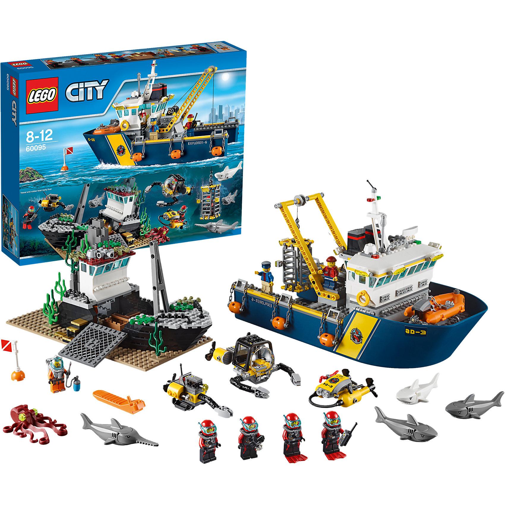LEGO City 60095: Корабль исследователей морских глубинПластмассовые конструкторы<br>Замечательная новинка 2015 года от LEGO City (ЛЕГО Сити) 60095: Корабль исследователей морских глубин. Это масштабный набор, позволяющий создать целый удивительный мир, в котором обязательно будут случаться захватывающие морские приключения. В море найдены обломки затонувшего корабля. Находка заинтересовала ученых: лучшие аквалангисты исследуют судно день и ночь. На затонувших судах частенько находятся сокровища: но когда заветные сундуки найдены, действовать нужно очень быстро. Ведь в море полно хищников, которые только и ждут подходящего момента, чтобы напасть на свою добычу. С помощью набора LEGO City (ЛЕГО Сити) Вы сможете собрать суперсовременный корабль, на котором есть все необходимое для исследований морского дна и рискованных миссий. При необходимости аквалангисты могут воспользоваться скоростной лодкой и подводным скутером. Море кишит хищниками, поэтому приблизиться к кладу можно только в специальной клетке, которая тоже есть на борту. Для выполнения опасных операций собрана прекрасная команда: ныряльщик, четыре аквалангиста и два моряка. Они быстро и ответственно выполняют работу и готовы к любым неожиданностям, которые ожидают их в опасной экспедиции.<br><br>В необычном городе LEGO City непременно найдется место и строгим полицейским, и доброжелательным местным жителям, и заботливым работникам скорой помощи, а также всевозможным животным и красивым цветам и растениям. Используя детали из серии LEGO City (ЛЕГО Сити) можно создать практически любой сюжет городской жизни мегаполиса. Подсерия LEGO City (ЛЕГО Сити) Дайвинг включает в себя наборы, посвященные подводным приключениям. Каждый набор позволяет собрать интересную модель, а также предлагает игровые минифигурки и тематические аксессуары.<br><br>Дополнительная информация:<br><br>- Конструкторы LEGO City (ЛЕГО Сити) развивают тактильные ощущения и помогают ребенку познавать строение мира;<br>- Количество деталей: 717 шт;