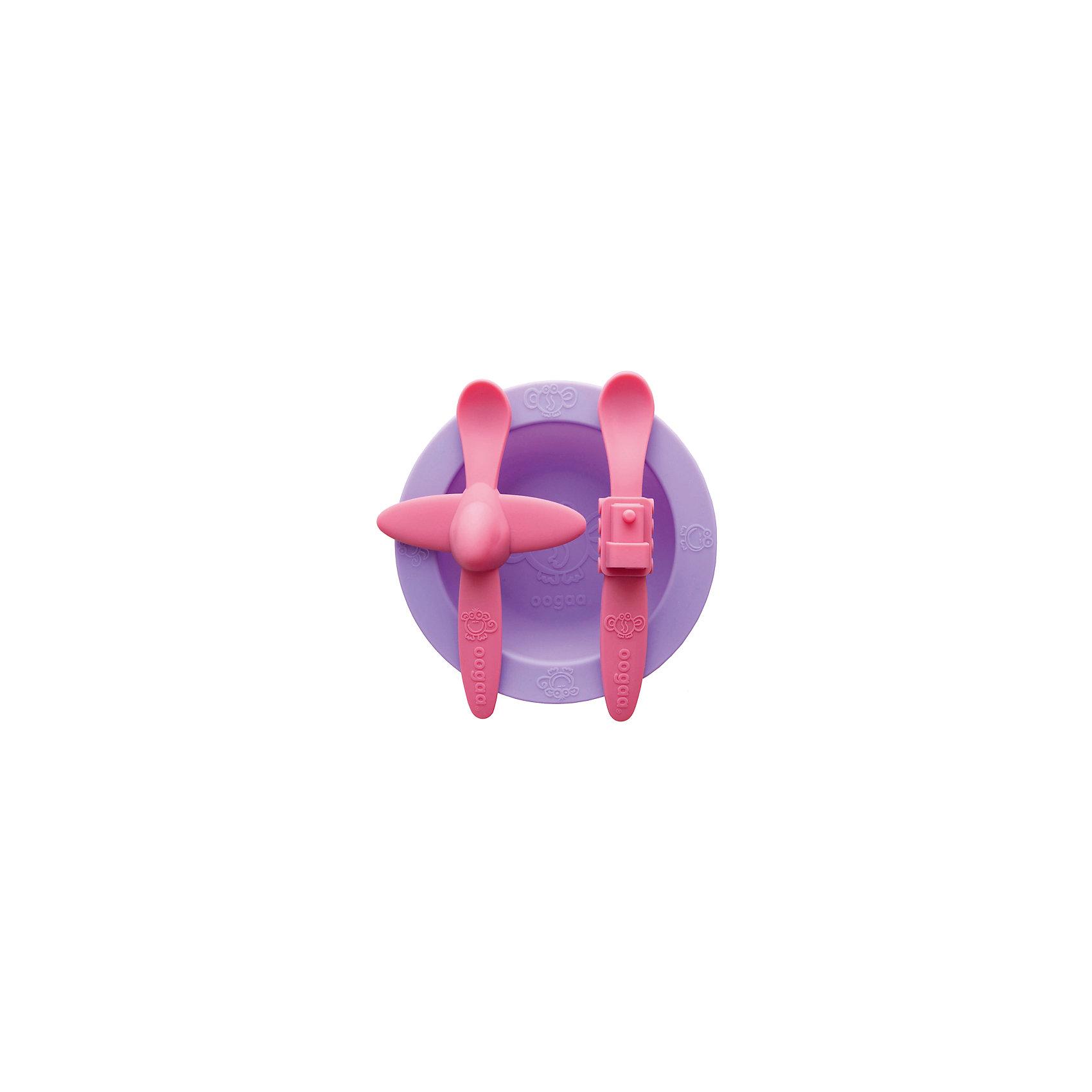 Набор посуды, Oogaa, сиреневыйВ ярком Наборе посуды: тарелка, ложка Самолет, ложка Поезд из силикона есть фиолетовая тарелка, ложка розового цвета с самолетом посередине ручки, а также розовая ложка с поездом на рукоятке. Комплект из двух ложек будет очень удобен в поездках и на прогулках, например, если Ваш малыш уронит одну ложечку, то в запасе всегда будет вторая. С набором удобной посуды ребенку будет весело кушать, и он с удовольствием будет ждать новой порции от поезда и самолетика!<br><br>Характеристики:<br>-Изготовлены из высококачественного нетоксичного силикона, который не имеет запаха и вкуса, не выделяют химических веществ, не способствуют распространению бактерий<br>-Подходят для ручной мойки, посудомоечных машин и стерилизаторов, микроволновой печи<br>-Не имеют острых углов, не травмируют десны малыша <br>-Выполнены в ярком цвете и необычном дизайне, что позволяет превратить обычные завтрак или обед в забавную игру<br><br>Комплектация: фиолетовая тарелка, розовая ложка в форме самолета, розовая ложка в форме поезда<br><br>Дополнительная информация:<br>-Цвет: фиолетовый, розовый<br>-Размеры ложек: 18 см<br>-Размеры тарелки: 265 мл <br>-Вес в упаковке: 354 г<br>-Материалы: силикон<br><br>Набор силиконовой посуды в ярком и необычном дизайне поможет Вам занять ребенка, превратив кормление малыша в веселое приключение! <br><br>Набор посуды: тарелка, ложка Самолет, ложка Поезд можно купить в нашем магазине.<br><br>Ширина мм: 275<br>Глубина мм: 205<br>Высота мм: 31<br>Вес г: 354<br>Возраст от месяцев: 3<br>Возраст до месяцев: 36<br>Пол: Унисекс<br>Возраст: Детский<br>SKU: 4053704