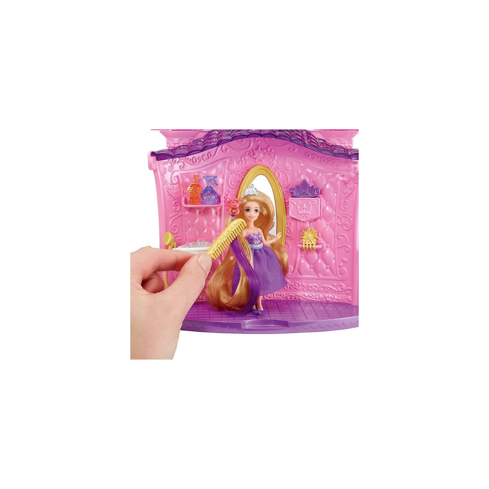 Кукла в наборе с аксессуарами Создай прическу, Принцессы ДиснейИгрушки<br>Кукла в наборе с аксессуарами Создай прическу, Disney Princess – это отличный подарок для вашей девочки!<br>Кукла в наборе с аксессуарами Создай прическу, 5 предметов - это целая находка для юных парикмахеров. Все девочки просто обожают делать разные прически и заплетать косички. В набор входит мини-куколка Рапунцель с длинными волосами и её салон, где можно найти раковину с пластиковыми пузырьками и большое зеркало. Так же в наборе есть небольшие парикмахерские аксессуары, заколочки, которые позволят создавать разнообразные прически. Салон стилизован под розовый замок. Юбочка у куклы из ткани, ее можно снимать. У куклы подвижные руки, ноги, голова.<br><br>Дополнительная информация:<br><br>- В наборе: салон, кукла, аксессуары<br>- Материал: высококачественный пластик<br>- Высота куклы: 10 см.<br>- Размер упаковки: 270x60x270 мм.<br>- Вес: 400 гр.<br><br>Куклу а в наборе с аксессуарами Создай прическу, Disney Princess можно купить в нашем интернет-магазине.<br><br>Ширина мм: 270<br>Глубина мм: 60<br>Высота мм: 270<br>Вес г: 400<br>Возраст от месяцев: 36<br>Возраст до месяцев: 108<br>Пол: Женский<br>Возраст: Детский<br>SKU: 4060351