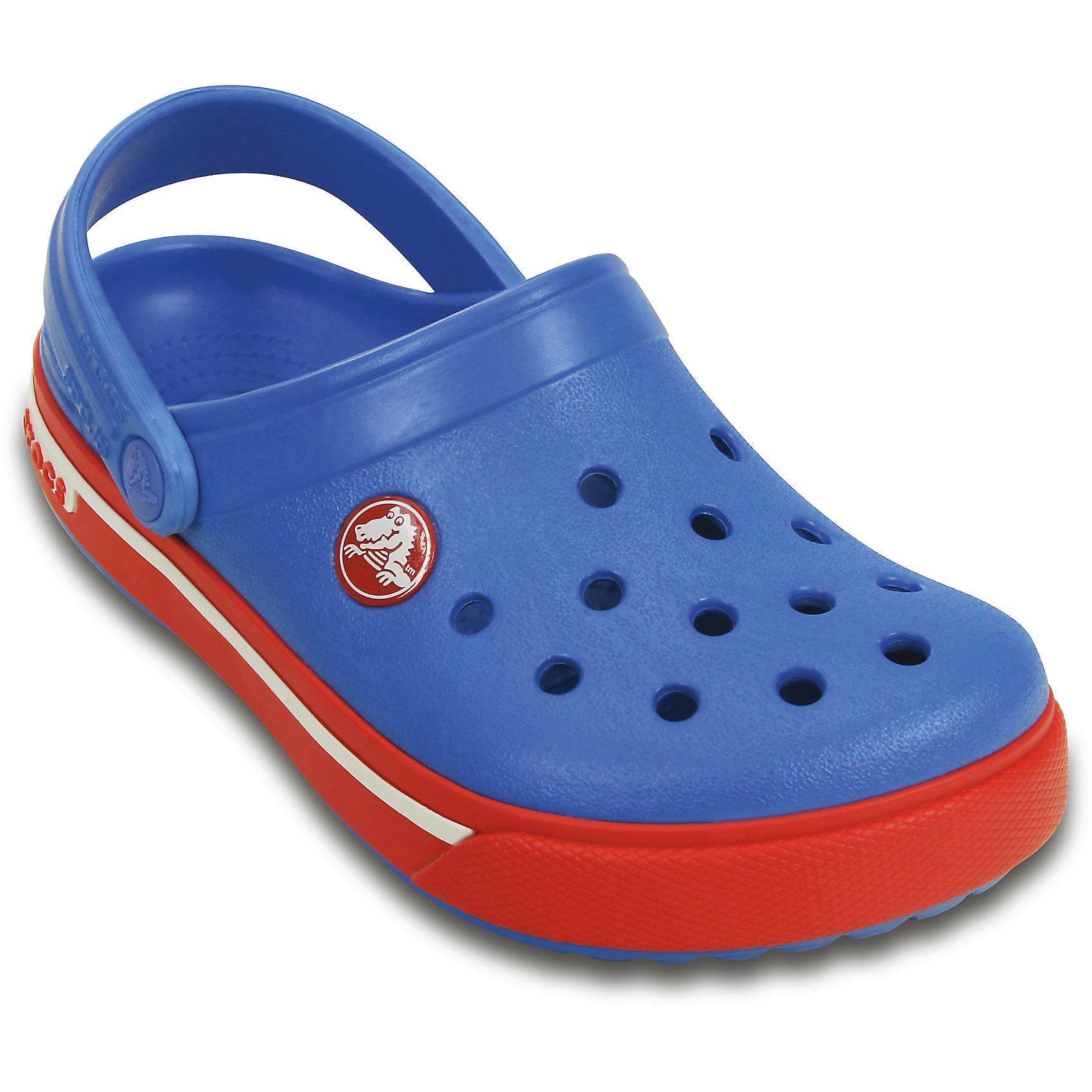 Сабо Crocband II.5 Clog kids CrocsПляжная обувь<br>Характеристики товара:<br><br>• цвет: синий<br>• материал: 100% полимер Croslite™<br>• литая модель<br>• вентиляционные отверстия<br>• бактериостатичный материал<br>• пяточный ремешок фиксирует стопу<br>• толстая устойчивая подошва<br>• отверстия для использования украшений<br>• анатомическая стелька с массажными точками стимулирует кровообращение<br>• страна бренда: США<br>• страна изготовитель: Китай<br><br>Для правильного развития ребенка крайне важно, чтобы обувь была удобной. Такие сабо обеспечивают детям необходимый комфорт, а анатомическая стелька с массажными линиями для стимуляции кровообращения позволяет ножкам дольше не уставать. Сабо легко надеваются и снимаются, отлично сидят на ноге. Материал, из которого они сделаны, не дает размножаться бактериям, поэтому такая обувь препятствует образованию неприятного запаха и появлению болезней стоп. <br>Обувь от американского бренда Crocs в данный момент завоевала широкую популярность во всем мире, и это не удивительно - ведь она невероятно удобна. Её носят врачи, спортсмены, звёзды шоу-бизнеса, люди, которым много времени приходится бывать на ногах - они понимают, как важна комфортная обувь. Продукция Crocs - это качественные товары, созданные с применением новейших технологий. Обувь отличается стильным дизайном и продуманной конструкцией. Изделие производится из качественных и проверенных материалов, которые безопасны для детей.<br><br>Сабо от торговой марки Crocs можно купить в нашем интернет-магазине.<br><br>Ширина мм: 225<br>Глубина мм: 139<br>Высота мм: 112<br>Вес г: 290<br>Цвет: синий<br>Возраст от месяцев: 12<br>Возраст до месяцев: 15<br>Пол: Унисекс<br>Возраст: Детский<br>Размер: 21/22,33/34,34/35,23/24,25/26,31/32,27/28,29/30<br>SKU: 4064552