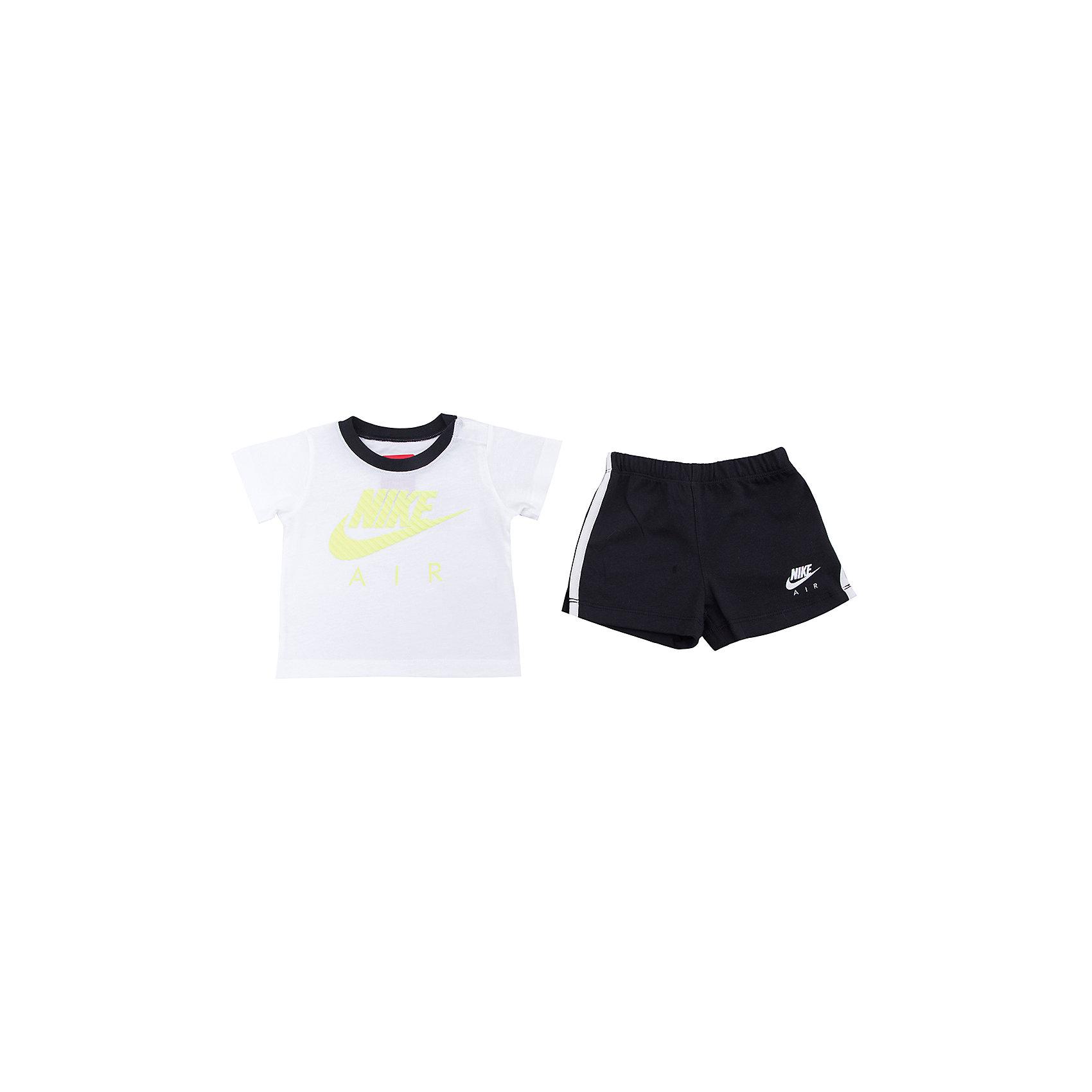 Комплект для мальчика: футболка и шорты HBR MIXED SET INF NIKEКомплект для мальчика: футболка и шорты HBR MIXED SET INF NIKE Состав: 100% хлопок<br><br>Ширина мм: 199<br>Глубина мм: 10<br>Высота мм: 161<br>Вес г: 151<br>Цвет: белый<br>Возраст от месяцев: 3<br>Возраст до месяцев: 6<br>Пол: Мужской<br>Возраст: Детский<br>Размер: 68/74,92/98,74,86/92,74/80,80/86<br>SKU: 4067374