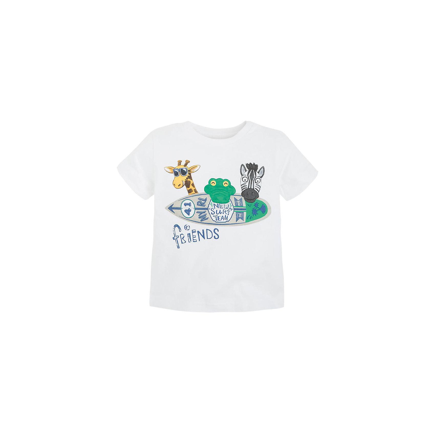 Футболка для мальчика MayoralФутболка для мальчика от популярной испанской марки Mayoral.<br><br>Футболка белого цвета декорирована оригинальным принтом с дикими животными. Сделана из натурального хлопкового трикотажа.<br><br>Оригинальная футболка от известного испанского бренда Mayoral – отличный вариант летней одежды для детей. Удобный крой и качественный материал обеспечит комфорт при ношении этой вещи. Натуральный хлопок в составе изделия делает его дышащим и мягким.<br>Состав: 100% хлопок<br><br>Уход за изделием:<br><br>стирка в машине при температуре до 30°С,<br>не отбеливать,<br>гладить на низкой температуре.<br><br>Габариты:<br><br>длина рукава – 10 см,<br>длина по спине – 33 см<br><br>*Числовые параметры соответствуют росту 74<br>Футболку для мальчика Mayoral (Майорал) можно купить в нашем магазине.<br><br>Ширина мм: 199<br>Глубина мм: 10<br>Высота мм: 161<br>Вес г: 151<br>Цвет: белый<br>Возраст от месяцев: 9<br>Возраст до месяцев: 12<br>Пол: Мужской<br>Возраст: Детский<br>Размер: 74,86,92,80<br>SKU: 4069129