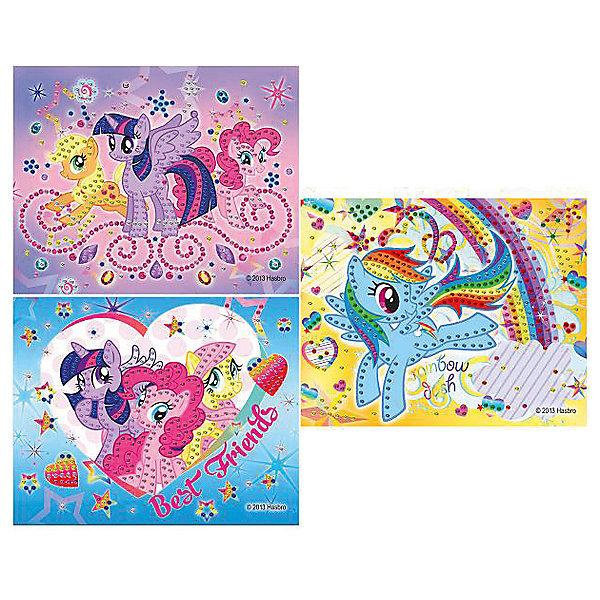 Аппликация из пайеток My little Pony, Играем вместеМозаика детская<br>Аппликация из пайеток My little Pony (Мой маленький Пони), Играем вместе – это набор из разноцветных пайеток для украшения картинки, на которой изображены волшебные лошадки из мультика «Мой маленький Пони». Эпплджек, Пинки Пай, Радуга Дэш, Сумеречная искорка и Флаттершай не дадут ребенку заскучать!<br><br>Комплектация: картинка, пайетки<br><br>Дополнительная информация:<br>-Серия: Мой маленький Пони<br>-Вес в упаковке: 130 г<br>-Размеры в упаковке: 230х320х100  мм<br>-Материалы: пластик, картон<br>-Внимание: дизайн в ассортименте (3 вида с разными лошадками) (заранее выбрать невозможно, при заказе нескольких возможно получение одинаковых)<br><br>Набор для создания аппликации из пайеток «Мой маленький Пони» обрадует Вашего ребенка и позволит весело провести время!<br><br>Аппликация из пайеток My little Pony (Мой маленький Пони), Играем вместе можно купить в нашем магазине.<br>Ширина мм: 230; Глубина мм: 320; Высота мм: 100; Вес г: 130; Возраст от месяцев: 60; Возраст до месяцев: 108; Пол: Женский; Возраст: Детский; SKU: 4079318;