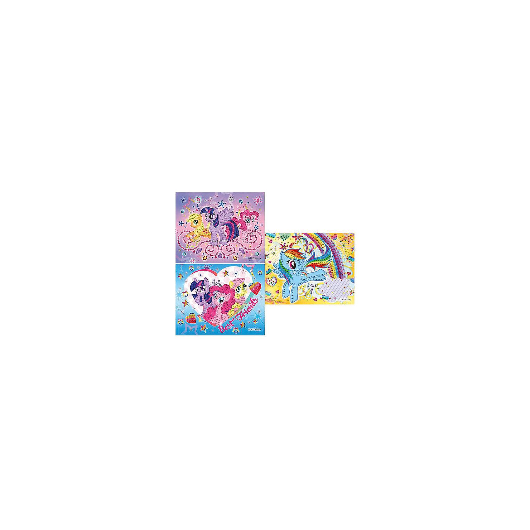 Аппликация из пайеток My little Pony, Играем вместеАппликация из пайеток My little Pony (Мой маленький Пони), Играем вместе – это набор из разноцветных пайеток для украшения картинки, на которой изображены волшебные лошадки из мультика «Мой маленький Пони». Эпплджек, Пинки Пай, Радуга Дэш, Сумеречная искорка и Флаттершай не дадут ребенку заскучать!<br><br>Комплектация: картинка, пайетки<br><br>Дополнительная информация:<br>-Серия: Мой маленький Пони<br>-Вес в упаковке: 130 г<br>-Размеры в упаковке: 230х320х100  мм<br>-Материалы: пластик, картон<br>-Внимание: дизайн в ассортименте (3 вида с разными лошадками) (заранее выбрать невозможно, при заказе нескольких возможно получение одинаковых)<br><br>Набор для создания аппликации из пайеток «Мой маленький Пони» обрадует Вашего ребенка и позволит весело провести время!<br><br>Аппликация из пайеток My little Pony (Мой маленький Пони), Играем вместе можно купить в нашем магазине.<br><br>Ширина мм: 230<br>Глубина мм: 320<br>Высота мм: 100<br>Вес г: 130<br>Возраст от месяцев: 60<br>Возраст до месяцев: 108<br>Пол: Женский<br>Возраст: Детский<br>SKU: 4079318