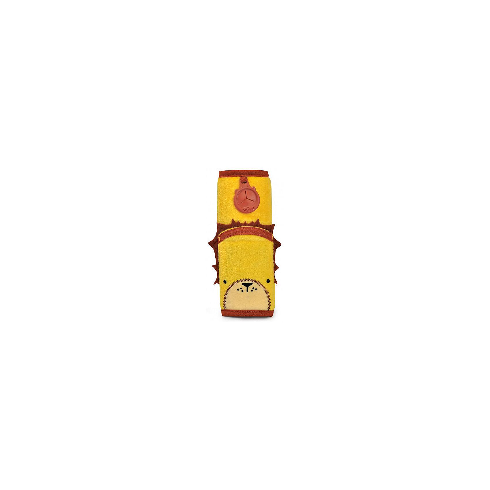 Накладка-чехол Лев для ремня безопасности в автоАксессуары<br>Накладка-чехол для ремня безопасности от всемирно-известного производителя чемоданов и дорожных аксессуаров Trunki сделает путешествие ребенка комфортным и безопасным.<br>Накладка из мягкого приятного на ощупь материала легко закрепляется на ремне благодаря липучке и позволяет избежать трения и неприятного давления на плечи и грудь ребенка.<br>Накладка-чехол Лев выполнена в ярком желтом цвете. Вместительный карман позволяет положить внутрь мобильный телефон, MP3 плеер или любимую игрушку небольшого размера.<br>Универсальный держатель Trunki Grip позволяет закрепить одеялко или же повесить солнцезащитные детские очки.<br><br>Дополнительная информация:<br><br>Размер накладки: 18 х 7 см.<br>Размер внутреннего кармана: 10 х 7 см.<br><br>Накладку-чехол Лев для ремня безопасности в авто можно купить в нашем магазине.<br><br>Ширина мм: 70<br>Глубина мм: 10<br>Высота мм: 180<br>Вес г: 50<br>Возраст от месяцев: 36<br>Возраст до месяцев: 84<br>Пол: Унисекс<br>Возраст: Детский<br>SKU: 4090980