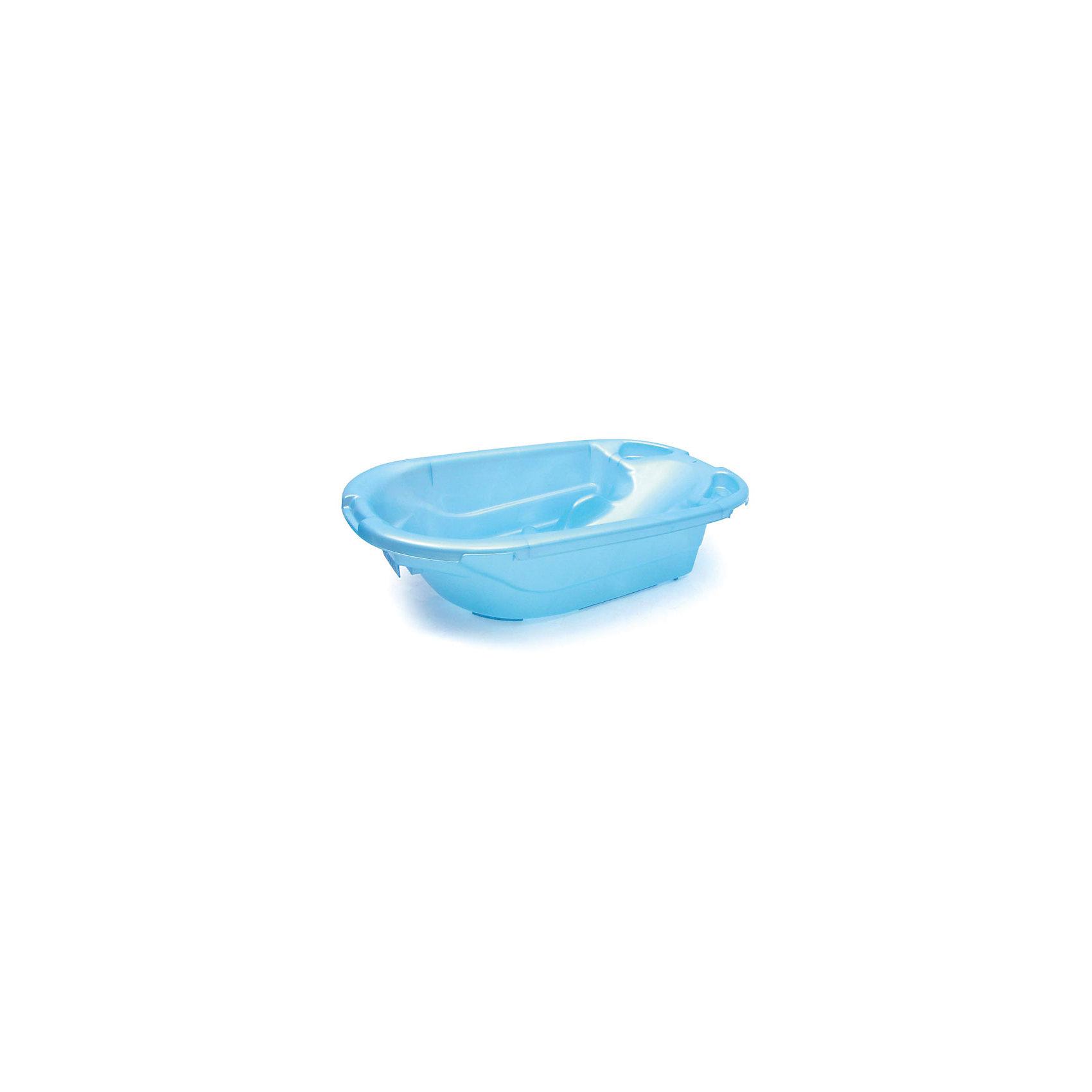 Ванна детская универсальная, Пластишка, голубойУниверсальная детская ванночка поможет Вам купать ребенка в первые месяцы жизни с необыкновенной легкостью и безопасностью. Анатомическая форма ванночки предохраняет ребенка от соскальзывания под воду, даже когда Вы не держите его руками! Теперь все что необходимо для купания ребенка всегда будет под рукой, ведь на краях ванночки предусмотрены удобные отделения. А для экономии пространства, предусмотрено отверстие за которое изделие можно повесить на стену. Вы будете с удовольствием использовать ванночку не один месяц, ведь благодаря сложной форме ванна позволяет купать детей в положении лежа (до 6 месяцев) и сидя (от 6 месяцев).  Два отверстия под мыльницей ванны соединяются специальной трубочкой. Отсоединив трубочку от верхнего отверстия, удобно выливать воду, не наклоняя ванну. Удобная в уходе, практичная и продуманная ванночка сделает купание любимым занятием мам и малышей!<br><br>Дополнительная информация;<br><br>- Идеальна для детей с рождения;<br>- Отделения для аксессуаров;<br>- Легко подвесить на стену для экономии места;<br>- Устойчива к перепадам температуры;<br>- Материал: полипропилен;<br>- Трубочка для легкого слива воды;<br>- Размер ванны: 93 x 26 x 54 см; <br>- Объем: 30 л;<br>- Вес: 1,3 кг;<br><br>Ванну детскую универсальную  можно купить в нашем интернет-магазине.<br><br>Ширина мм: 925<br>Глубина мм: 530<br>Высота мм: 255<br>Вес г: 1500<br>Возраст от месяцев: 0<br>Возраст до месяцев: 12<br>Пол: Мужской<br>Возраст: Детский<br>SKU: 4102640