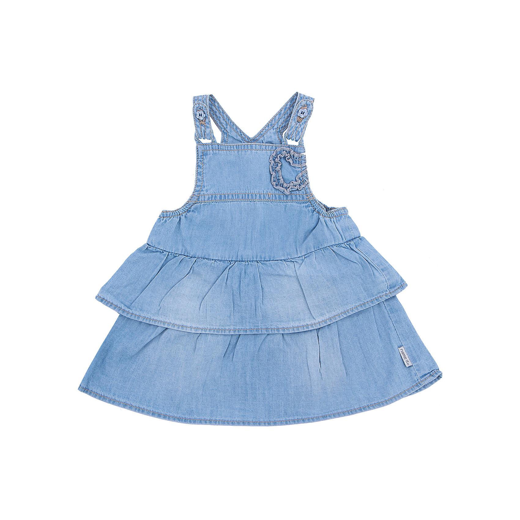 Платье джинсовое для девочки name itПлатья<br>Джинсовое платье  для девочки name it – стильное летнее платье на бретелях, прекрасно сочетается с футболками, рубашками и водолазками. Модель имеет регулируемые бретели и пышную юбку, декорирована кокетливым цветком на груди. Платье выполнено из натурального хлопка, прекрасно сидит на фигуре, приятно к телу. <br><br>Дополнительная информация:<br><br>- Цвет: голубой<br>- Без рукава, на бретелях.<br>- регулируемые бретели.<br>- Пышная юбка.<br>- Декоративные элементы: цветок.<br><br>Состав: <br>100% хлопок.<br><br>Платье name it (нейм ит) можно купить в нашем магазине.<br><br>Ширина мм: 236<br>Глубина мм: 16<br>Высота мм: 184<br>Вес г: 177<br>Цвет: синий<br>Возраст от месяцев: 0<br>Возраст до месяцев: 3<br>Пол: Женский<br>Возраст: Детский<br>Размер: 56,68,74,62<br>SKU: 4103996
