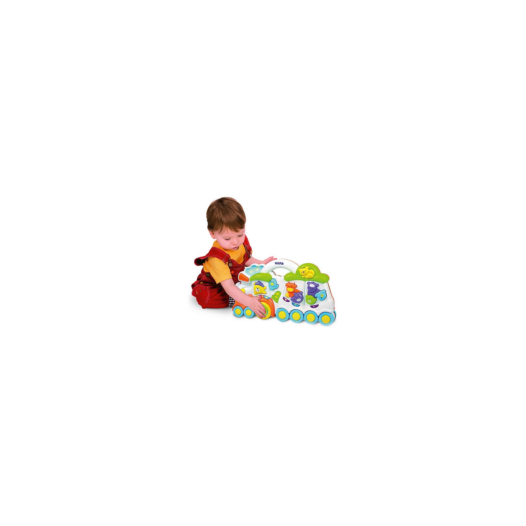 Паровозик Медвежонок и его друзья, WeinaИгрушки для малышей<br>Паровозик  Медвежонок и его друзья подарит малышам множество улыбок и хорошее настроение. Скорее садись в поезд с мишкой и его друзьями и отправляйся  в веселое музыкальное путешествие. Нажимай на животных и кнопки, чтобы услышать забавные звуки и мелодии! <br><br>Дополнительная информация:<br><br>- Материал: пластик.<br>- Размер: 50х45х33 см.<br>- Звуки: колокол, труба, поезд, животные, мелодии.<br>- Ручка для толкания.<br>- Элемент питания: 2 батарейки  AA1,5 В (в комплекте).<br><br>Паровозик Медвежонок и его друзья, Weina можно купить в нашем магазине.<br><br>Ширина мм: 610<br>Глубина мм: 450<br>Высота мм: 330<br>Вес г: 2900<br>Возраст от месяцев: 12<br>Возраст до месяцев: 36<br>Пол: Мужской<br>Возраст: Детский<br>SKU: 4125052