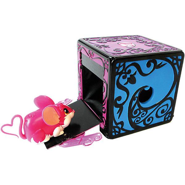 Игровой набор Коробка для фокуса с исчезновением, the Amazing Zhus, JazwaresИнтерактивные игрушки для малышей<br>С помощью Игрового набора Коробка для фокуса с исчезновением, the Amazing Zhus (Удивительные Жу), Jazwares можно показать фокус с исчезновением мышки в коробке. Помести свою мышку в волшебную коробку, закрой дверцу, поверни вокруг своей оси, скажи: Абракадабра, и она исчезнет! Секрет фокуса: мышонка необходимо незаметно разместить в потайном кармашке, после чего продемонстрировать зрителям пустую коробку. А для того, чтобы фокус удался, необходимо хорошо отрепетировать свой номер, отточив ловкость рук и артистизм!<br><br>Характеристики:<br>-Можно играть со всеми мышами серии «Удивительные Жу» <br>-Чтобы стать настоящим мастером-фокусником, можно приобрести дополнительные наборы серии «Удивительные Жу» и придумывать все новые сцены и номера<br>-Яркая красочная коробка с узорами завораживает и делает фокус еще более магическим<br><br>Комплектация: коробка для фокуса, инструкция<br><br>Дополнительная информация:<br>-Материалы: пластик<br>-Размеры в упаковке: 15,5х15х15,5 см<br>-Вес в упаковке: 700 г<br>-Внимание! Мышка в набор НЕ входит<br><br>Играя с таким реквизитом, дети смогут поставить собственное цирковое представление и удивить своих друзей на празднике!<br><br>Игровой набор Коробка для фокуса с исчезновением, the Amazing Zhus (Удивительные Жу), Jazwares можно купить в нашем магазине.<br><br>Ширина мм: 156<br>Глубина мм: 159<br>Высота мм: 159<br>Вес г: 555<br>Возраст от месяцев: 48<br>Возраст до месяцев: 96<br>Пол: Женский<br>Возраст: Детский<br>SKU: 4125624