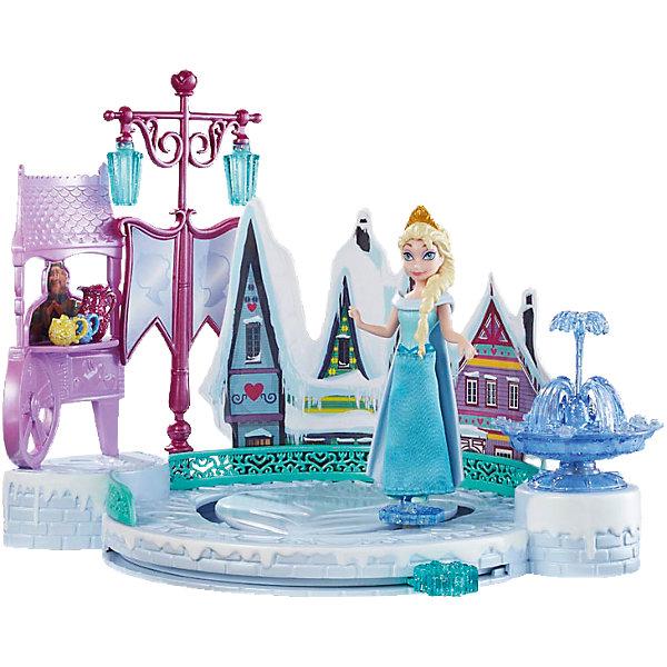 Кукла Эльза с аксессуарами, Disney PrincessИгрушки<br>Погрузись в зимнюю сказку вместе с прекрасной Эльзой! Принцесса обожает зимние забавы и катание на коньках. С помощью специального рычага можно перемещать куклу по льду небольшого озера, создавая иллюзию скольжения. Озеро располагается около чудесных маленьких домиков и красивого фонтана. Эльза одета в голубое платье, на голове у нее королевская корона. Фигурка прекрасно детализирована и очень похожа на героиню мультфильма Холодное сердце (Frozen). Прекрасный набор для вашей маленькой прекрасно принцессы!  <br><br>Дополнительная информация:<br><br>- Материал: пластик.<br>- Размер упаковки: 30 x 25 x 6 см.<br>- Не требуются батарейки. <br>- Комплектация: фигурка Эльзы, каток, дома, фонтан. <br><br>Куклу Эльзу с аксессуарами, Disney Princess (Принцессы Диснея) можно купить в нашем магазине.<br><br>Ширина мм: 310<br>Глубина мм: 261<br>Высота мм: 68<br>Вес г: 456<br>Возраст от месяцев: 36<br>Возраст до месяцев: 72<br>Пол: Женский<br>Возраст: Детский<br>SKU: 4132313